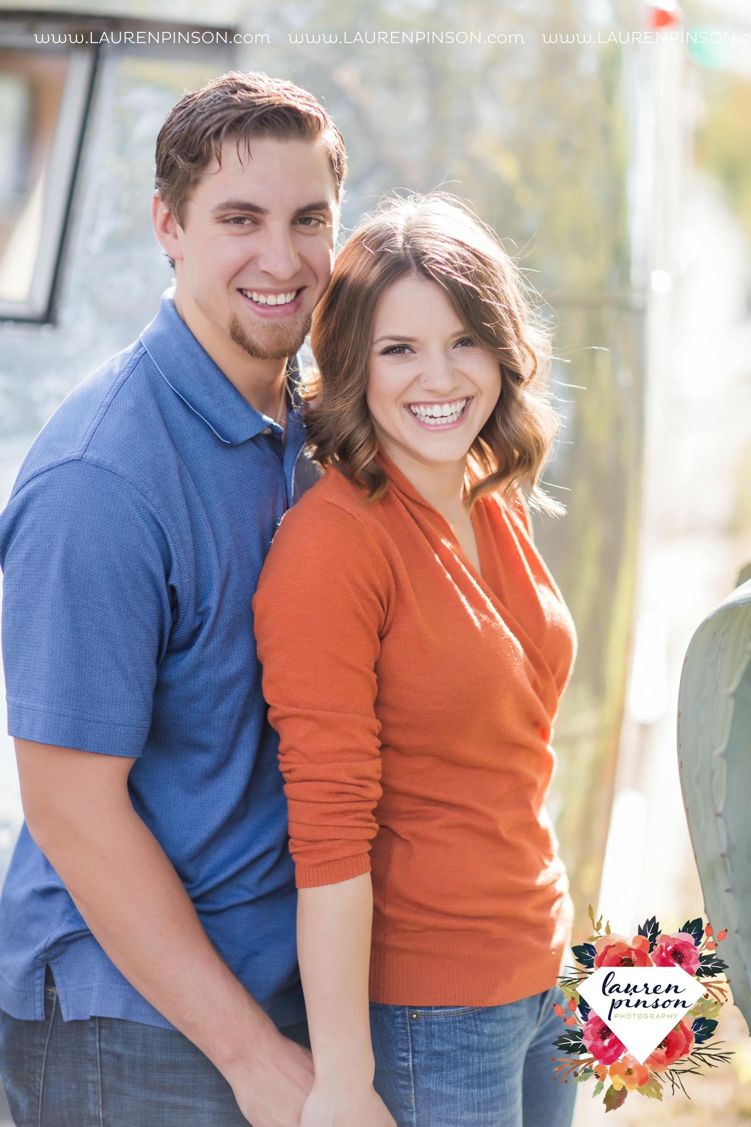 austin-texas-engagement-session-photography-by-wichita-falls-wedding-photgraphy-lauren-pinson_1378.jpg