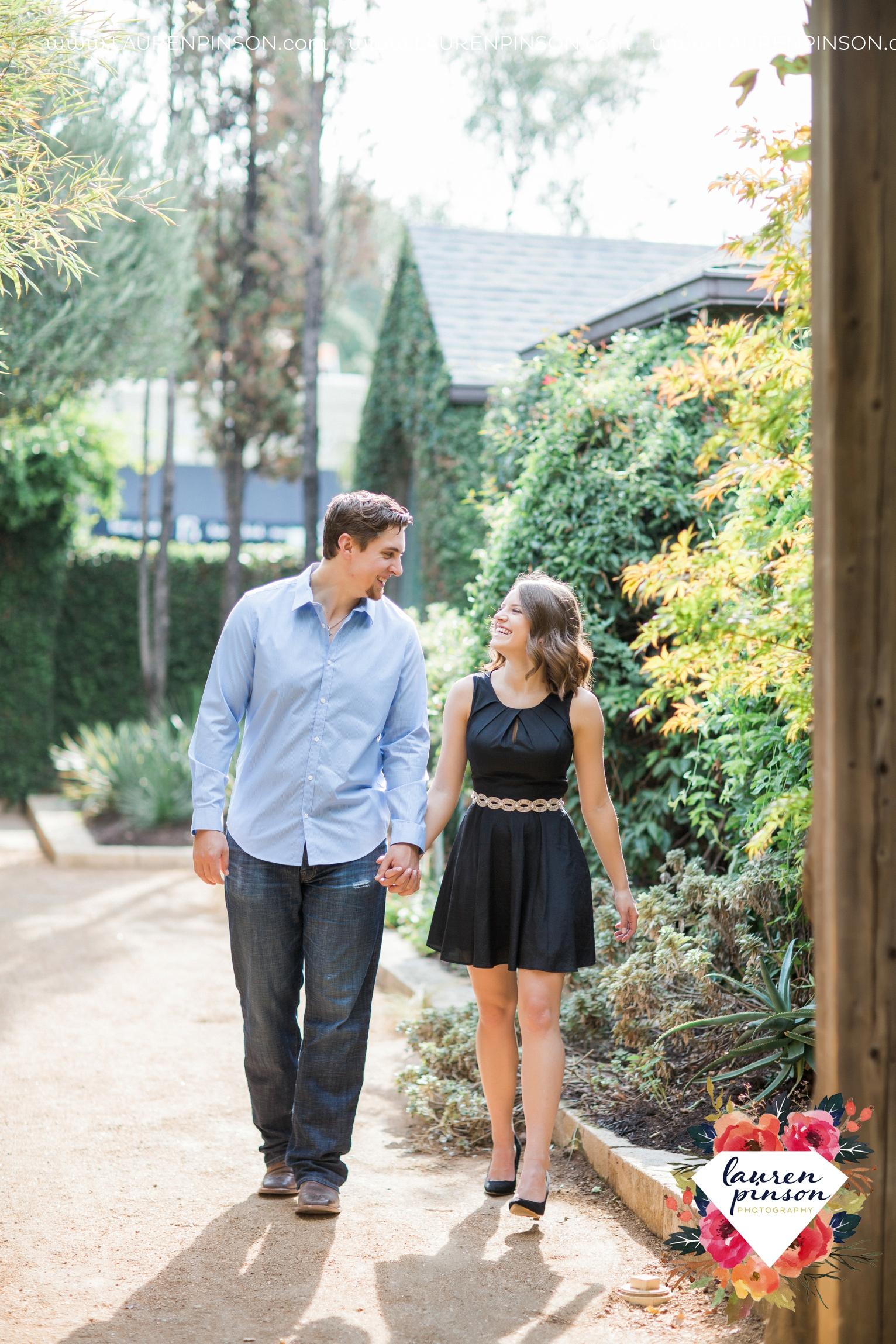austin-texas-engagement-session-photography-by-wichita-falls-wedding-photgraphy-lauren-pinson_1388.jpg