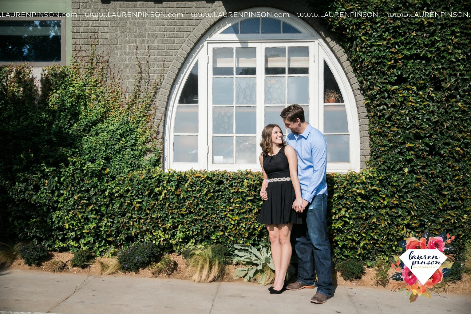 austin-texas-engagement-session-photography-by-wichita-falls-wedding-photgraphy-lauren-pinson_1391.jpg