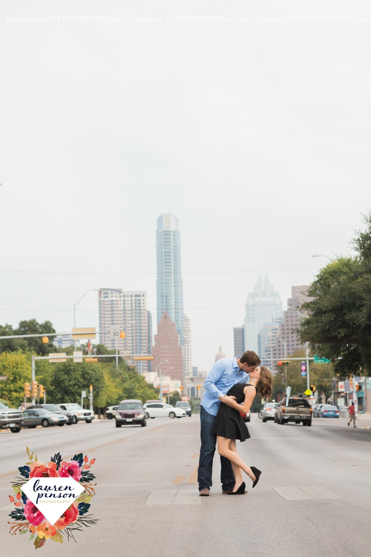 austin-texas-engagement-session-photography-by-wichita-falls-wedding-photgraphy-lauren-pinson_1396.jpg