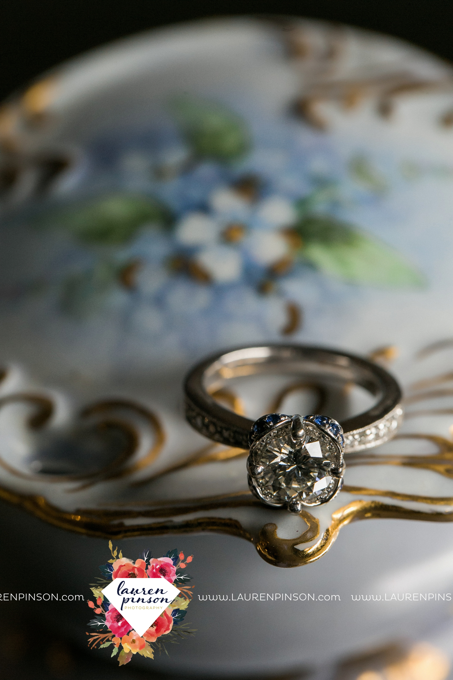 wichita-falls-wedding-photographer-lauren-pinson-at-the-kemp-center-for-the-arts_1620.jpg
