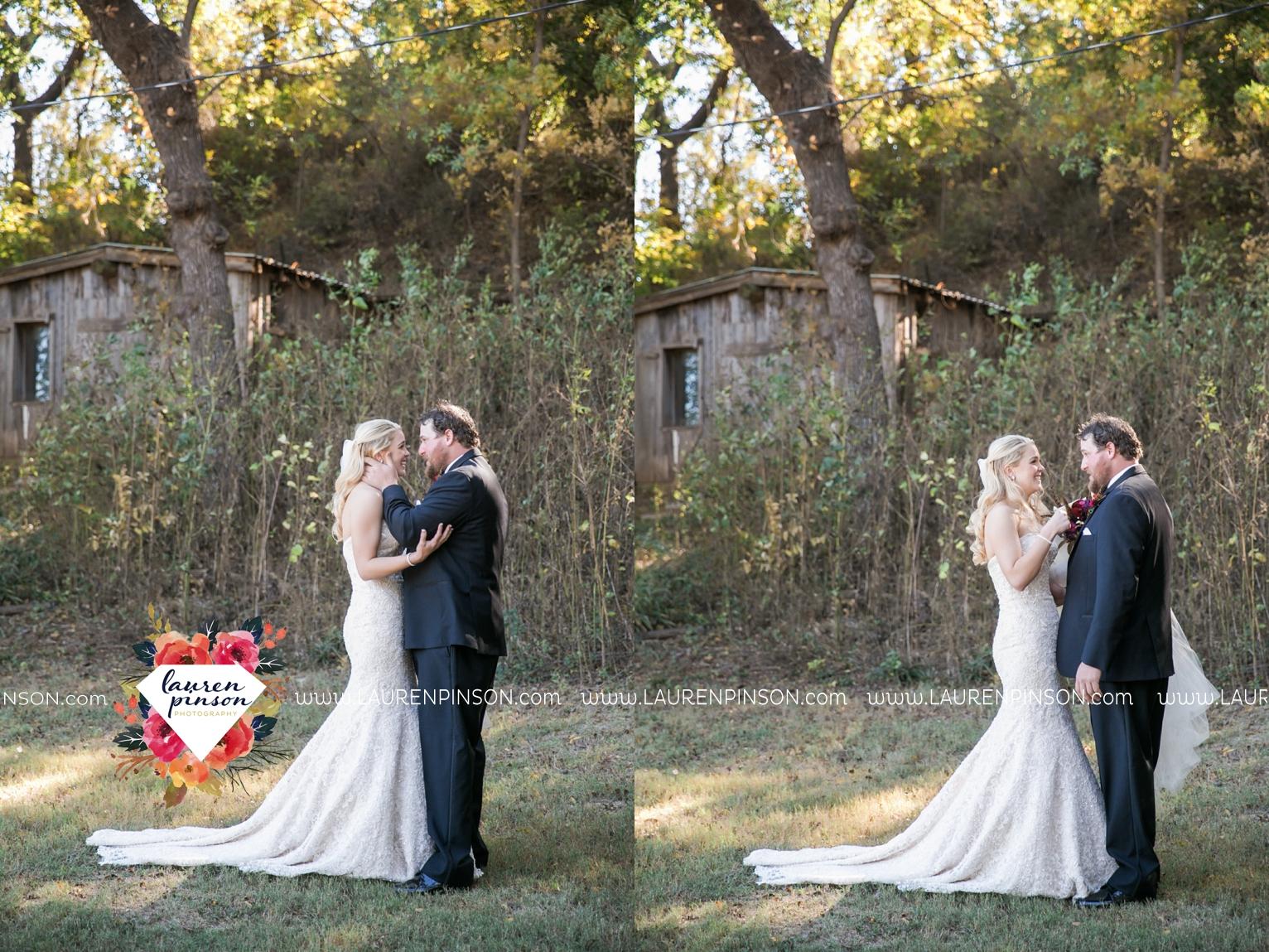rustic-wichita-falls-texas-wedding-photographer-gold-glam-mayfield-events-market-street-united-allue-bridals-fall_1671.jpg