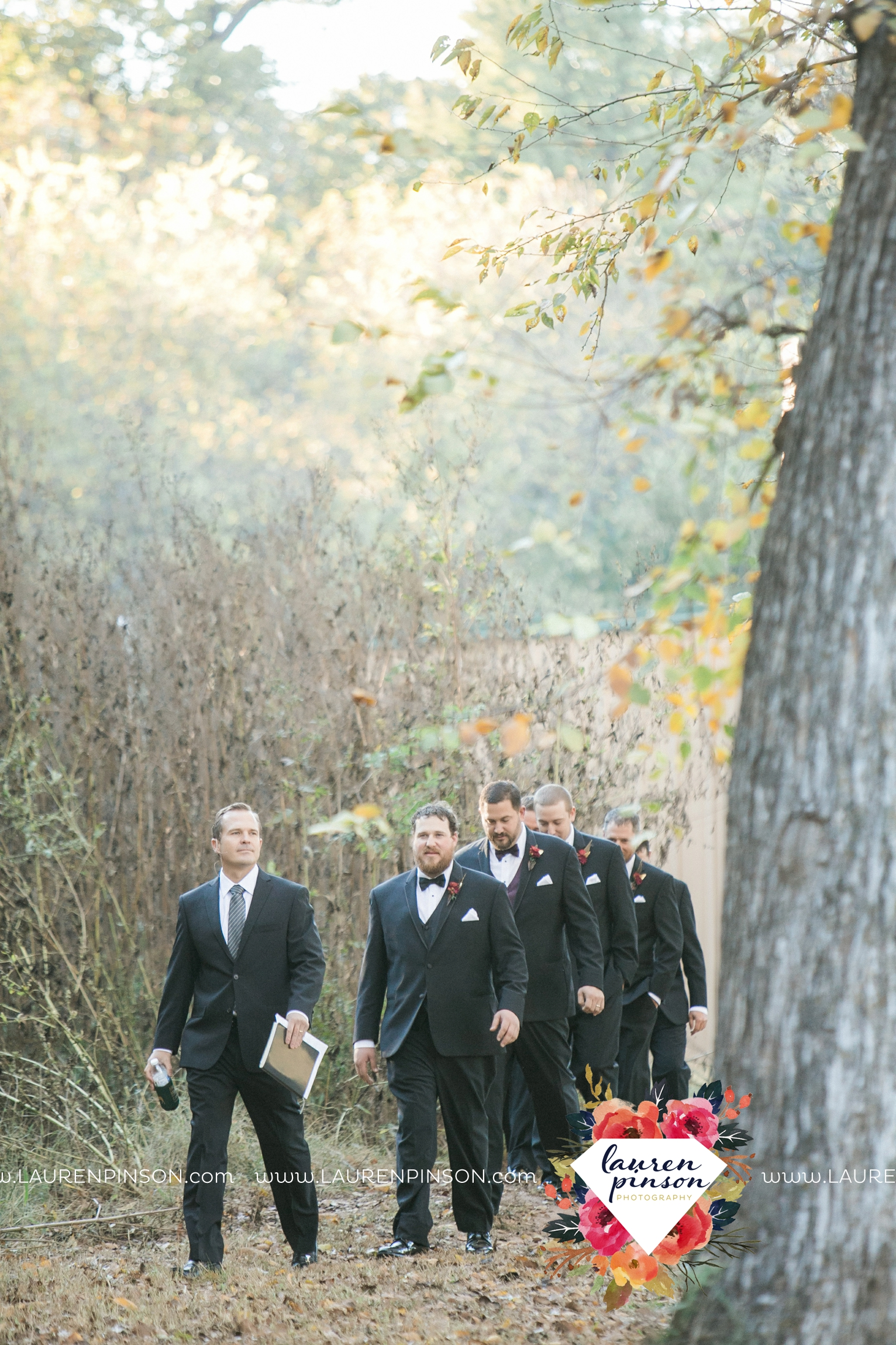 rustic-wichita-falls-texas-wedding-photographer-gold-glam-mayfield-events-market-street-united-allue-bridals-fall_1674.jpg