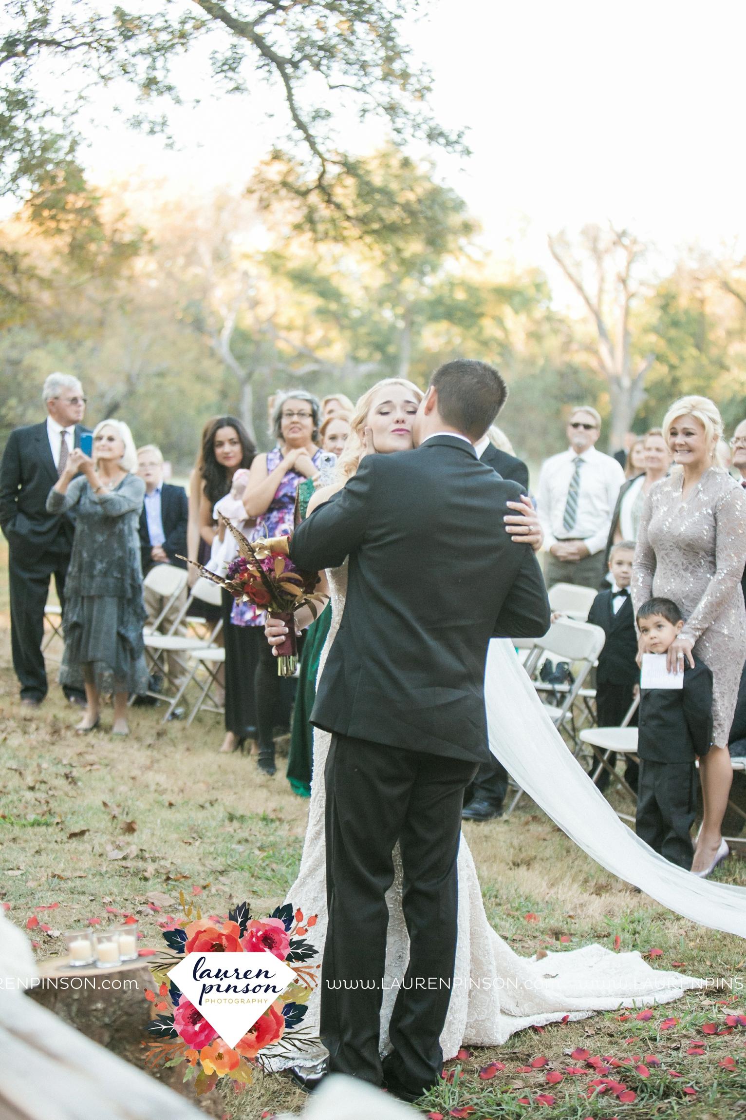 rustic-wichita-falls-texas-wedding-photographer-gold-glam-mayfield-events-market-street-united-allue-bridals-fall_1679.jpg