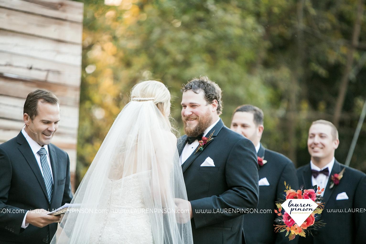 rustic-wichita-falls-texas-wedding-photographer-gold-glam-mayfield-events-market-street-united-allue-bridals-fall_1682.jpg