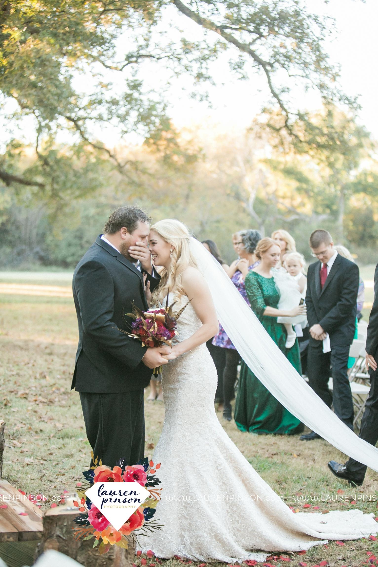 rustic-wichita-falls-texas-wedding-photographer-gold-glam-mayfield-events-market-street-united-allue-bridals-fall_1681.jpg