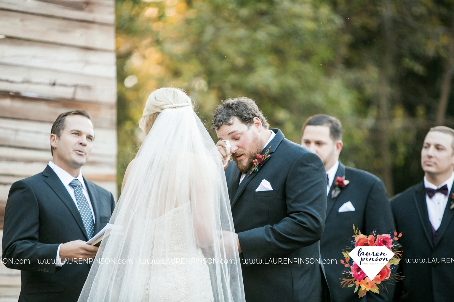 rustic-wichita-falls-texas-wedding-photographer-gold-glam-mayfield-events-market-street-united-allue-bridals-fall_1683.jpg