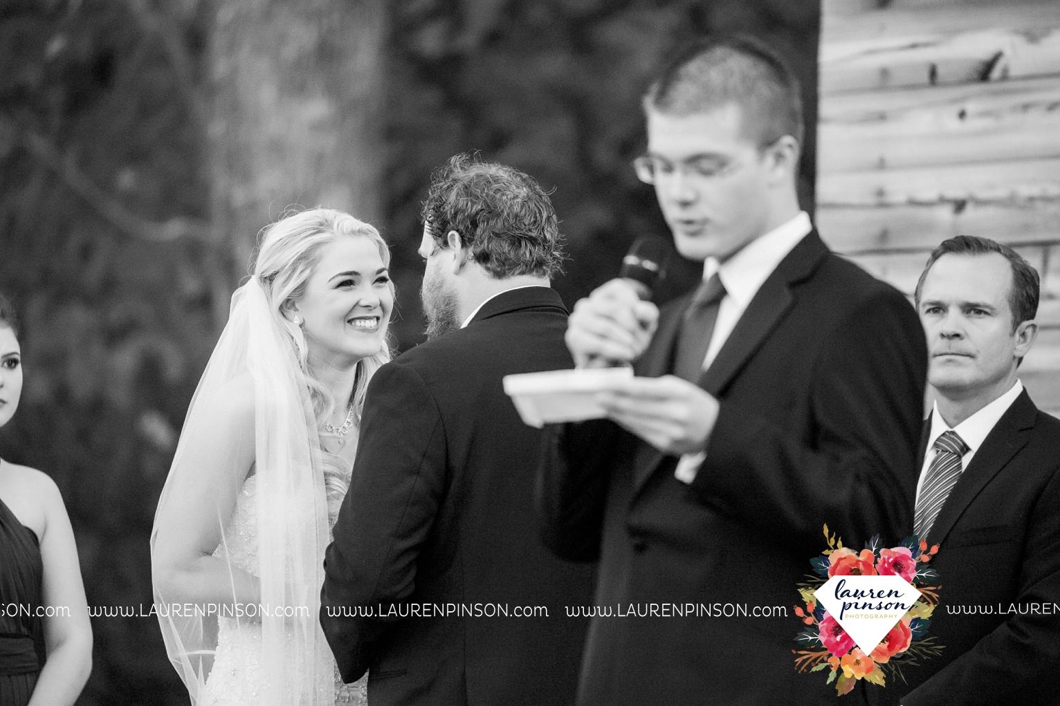 rustic-wichita-falls-texas-wedding-photographer-gold-glam-mayfield-events-market-street-united-allue-bridals-fall_1685.jpg
