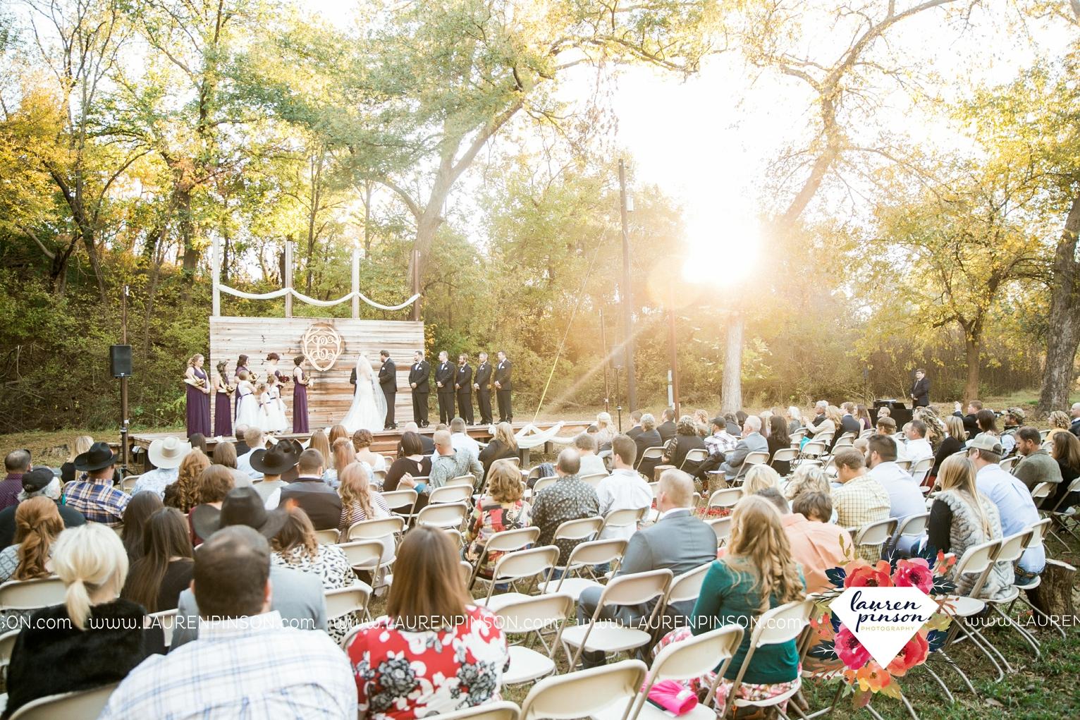rustic-wichita-falls-texas-wedding-photographer-gold-glam-mayfield-events-market-street-united-allue-bridals-fall_1686.jpg