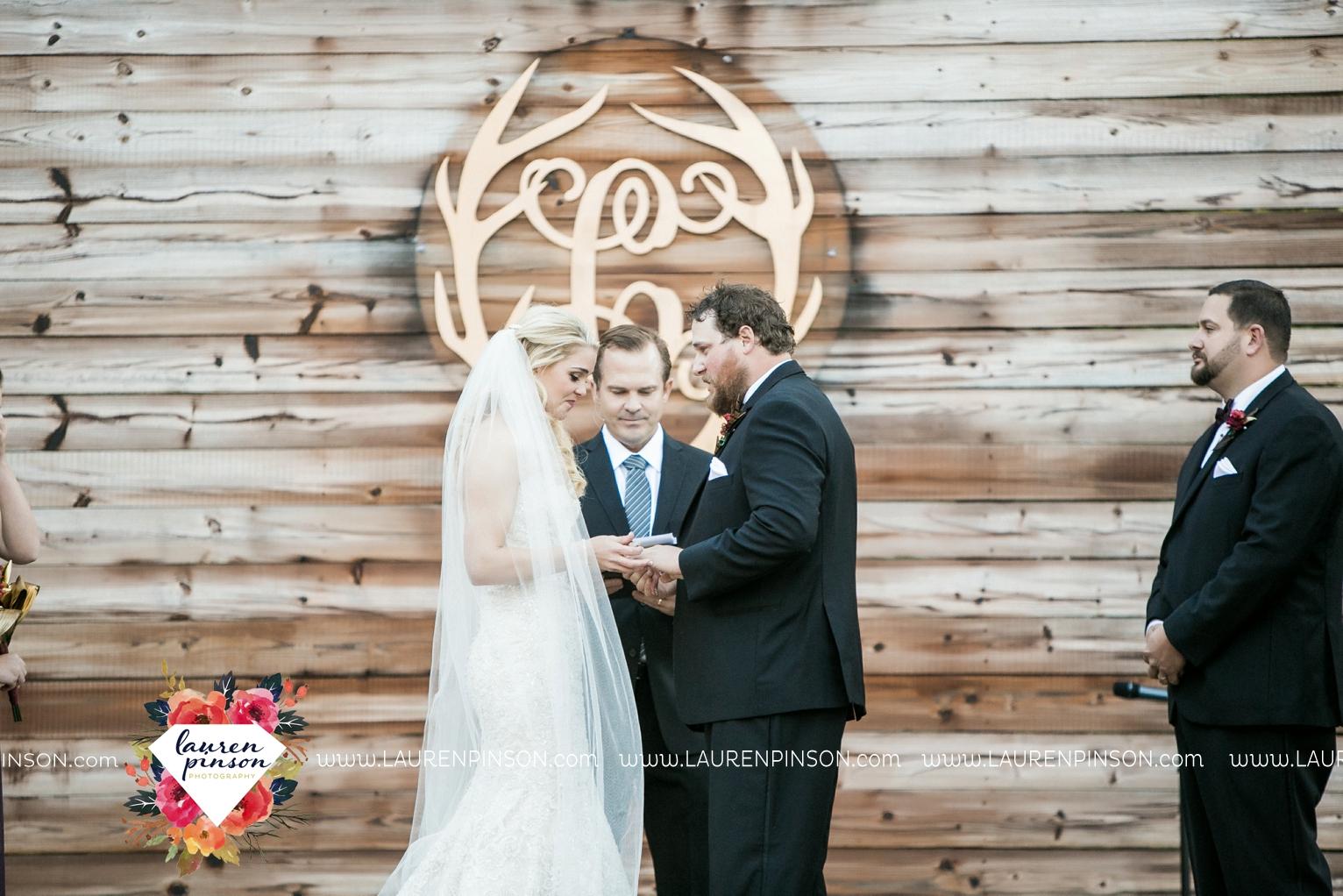 rustic-wichita-falls-texas-wedding-photographer-gold-glam-mayfield-events-market-street-united-allue-bridals-fall_1689.jpg