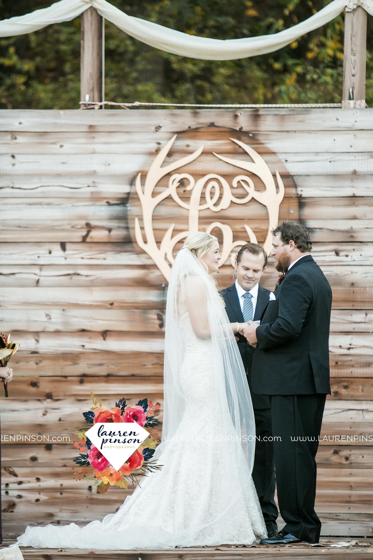rustic-wichita-falls-texas-wedding-photographer-gold-glam-mayfield-events-market-street-united-allue-bridals-fall_1690.jpg