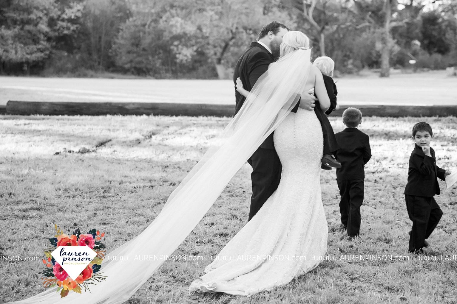 rustic-wichita-falls-texas-wedding-photographer-gold-glam-mayfield-events-market-street-united-allue-bridals-fall_1695.jpg