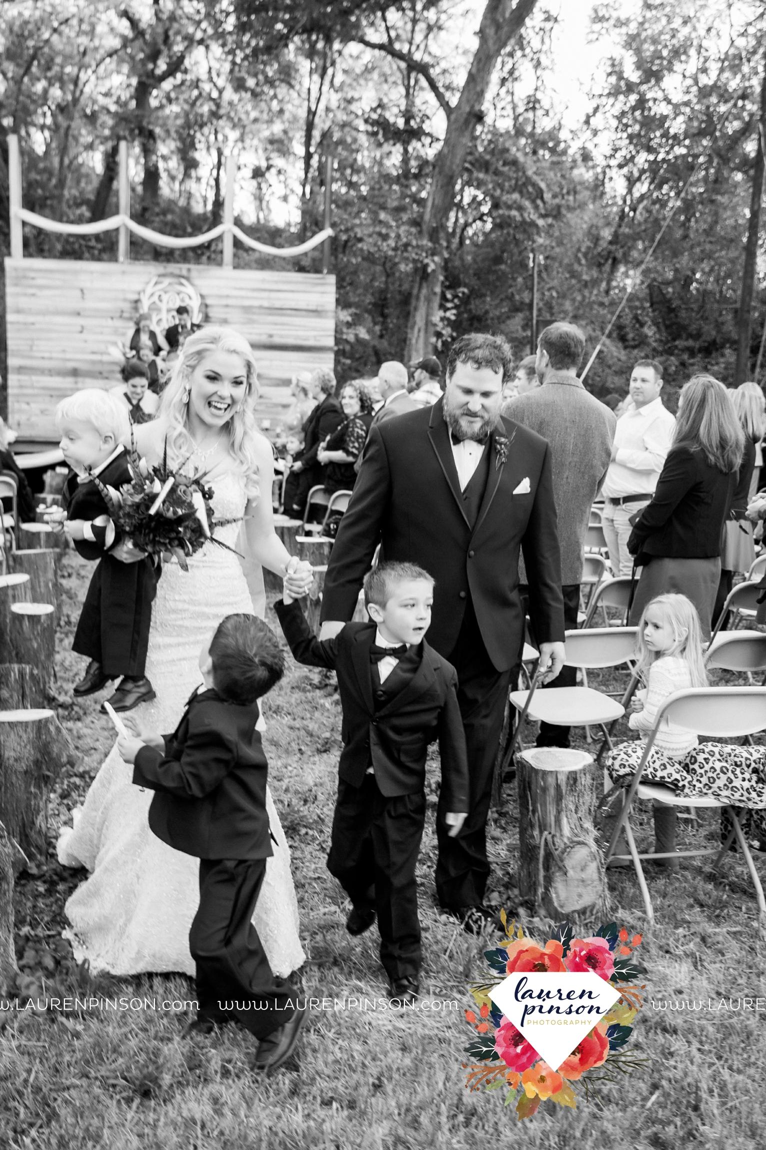 rustic-wichita-falls-texas-wedding-photographer-gold-glam-mayfield-events-market-street-united-allue-bridals-fall_1694.jpg