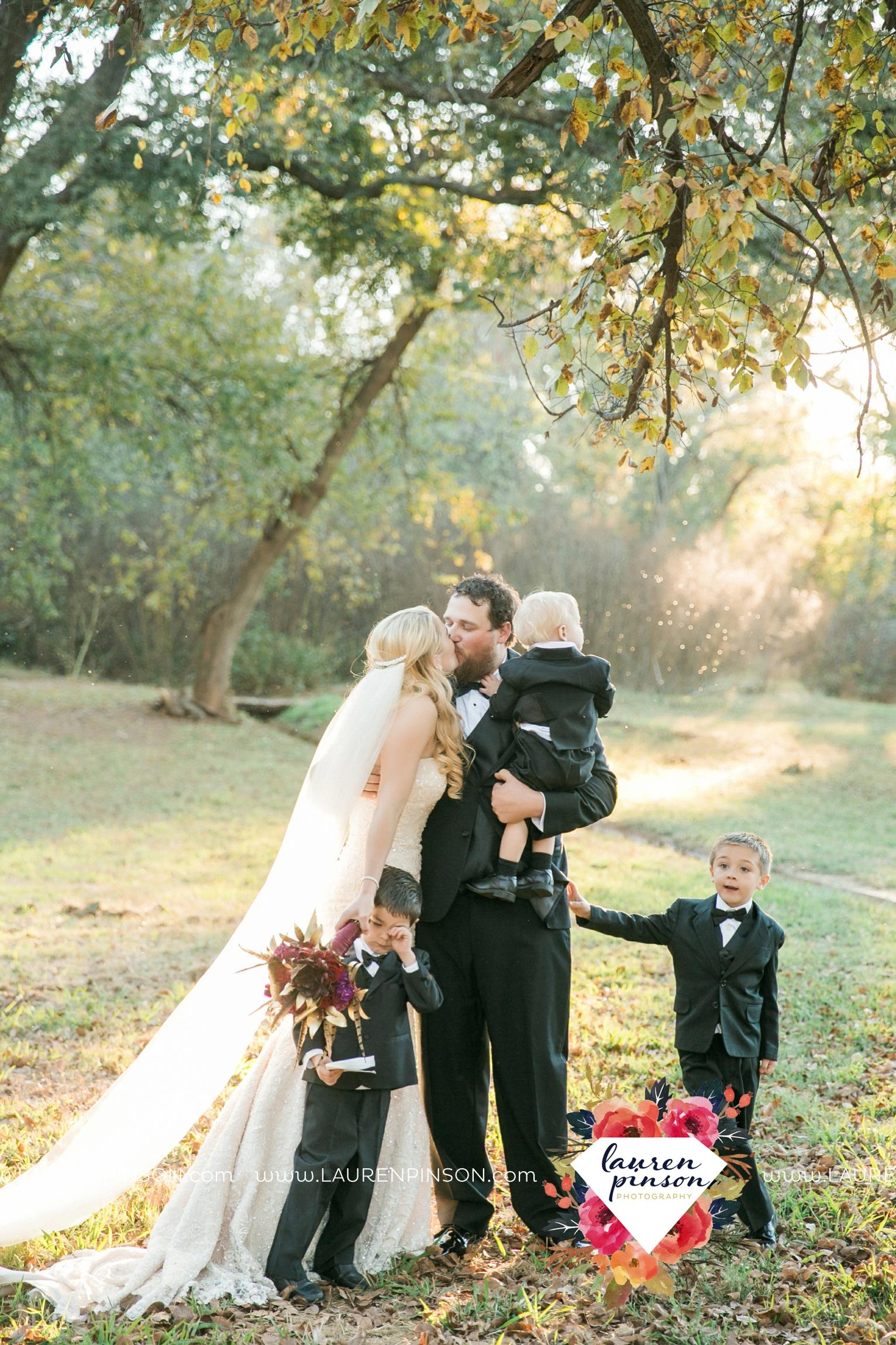 rustic-wichita-falls-texas-wedding-photographer-gold-glam-mayfield-events-market-street-united-allue-bridals-fall_1696.jpg