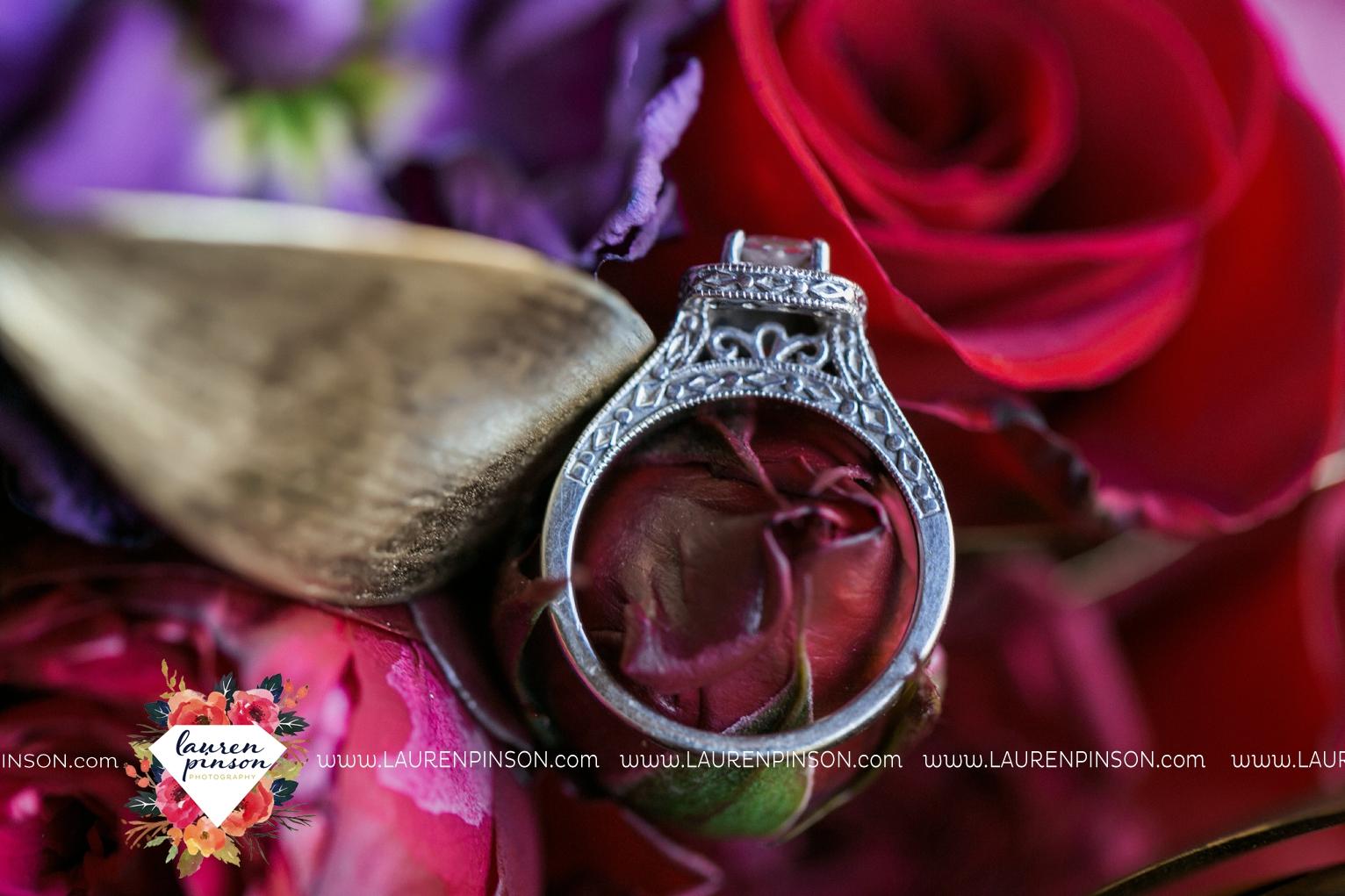rustic-wichita-falls-texas-wedding-photographer-gold-glam-mayfield-events-market-street-united-allue-bridals-fall_1707.jpg