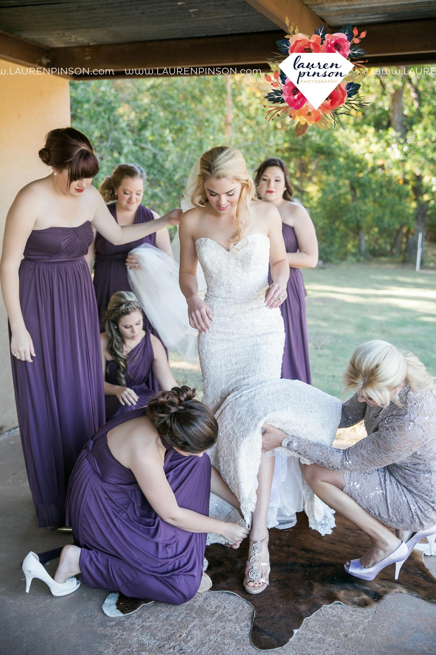 rustic-wichita-falls-texas-wedding-photographer-gold-glam-mayfield-events-market-street-united-allue-bridals-fall_1715.jpg