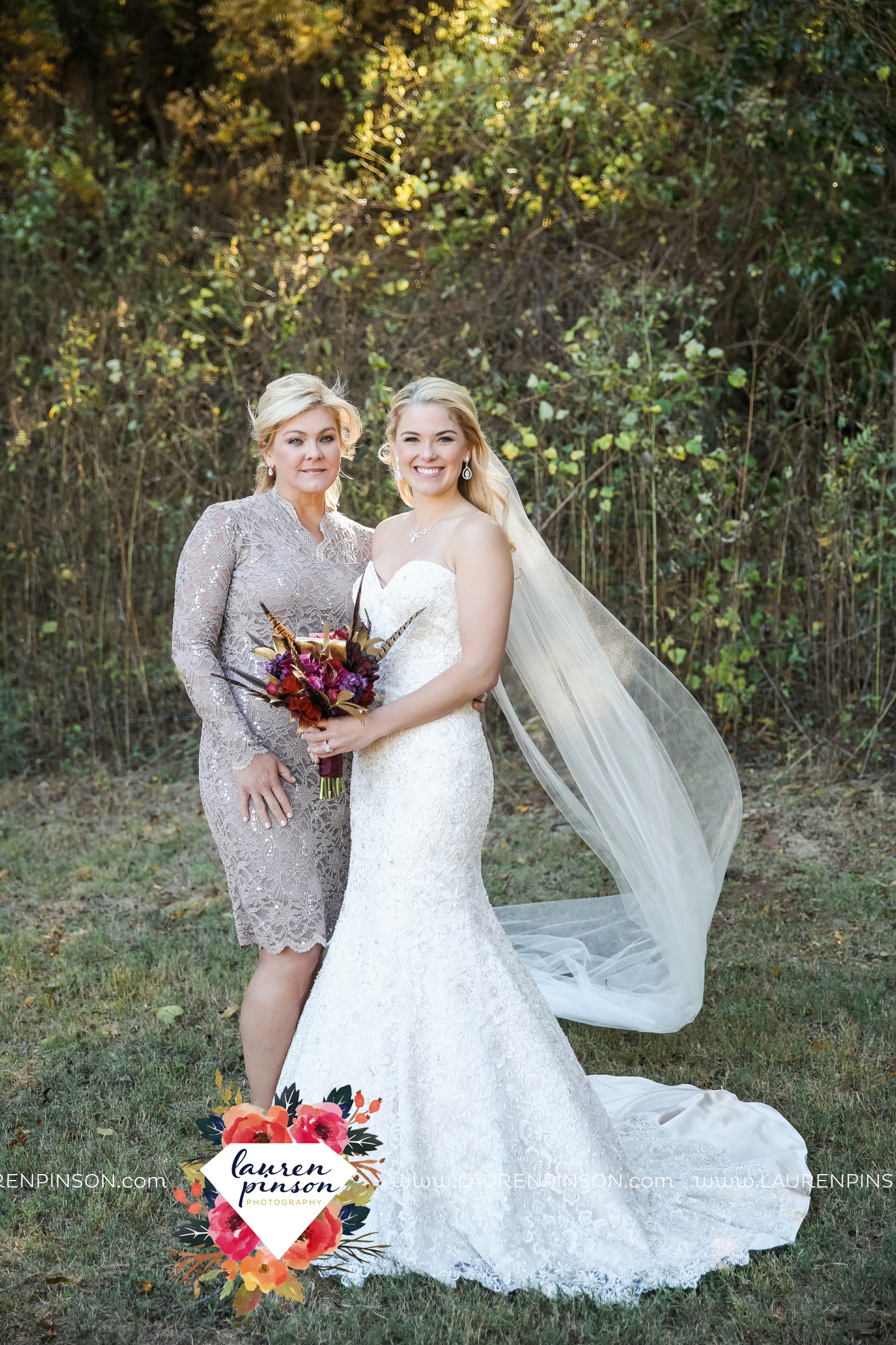 rustic-wichita-falls-texas-wedding-photographer-gold-glam-mayfield-events-market-street-united-allue-bridals-fall_1720.jpg