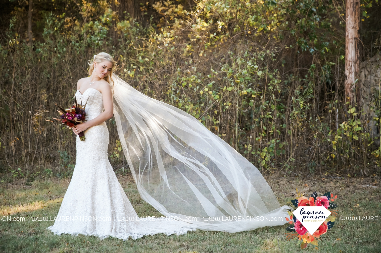 rustic-wichita-falls-texas-wedding-photographer-gold-glam-mayfield-events-market-street-united-allue-bridals-fall_1723.jpg