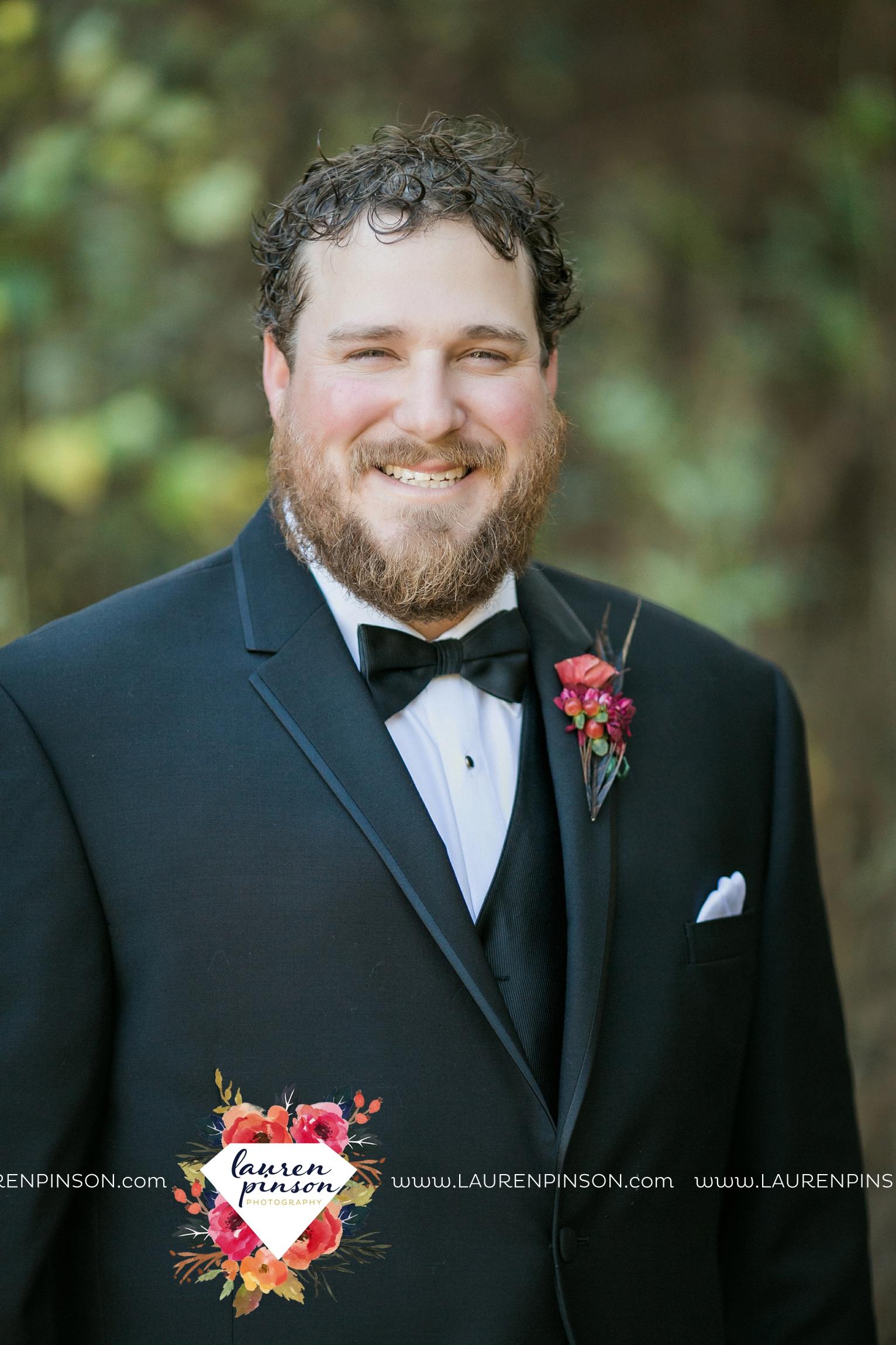 rustic-wichita-falls-texas-wedding-photographer-gold-glam-mayfield-events-market-street-united-allue-bridals-fall_1725.jpg