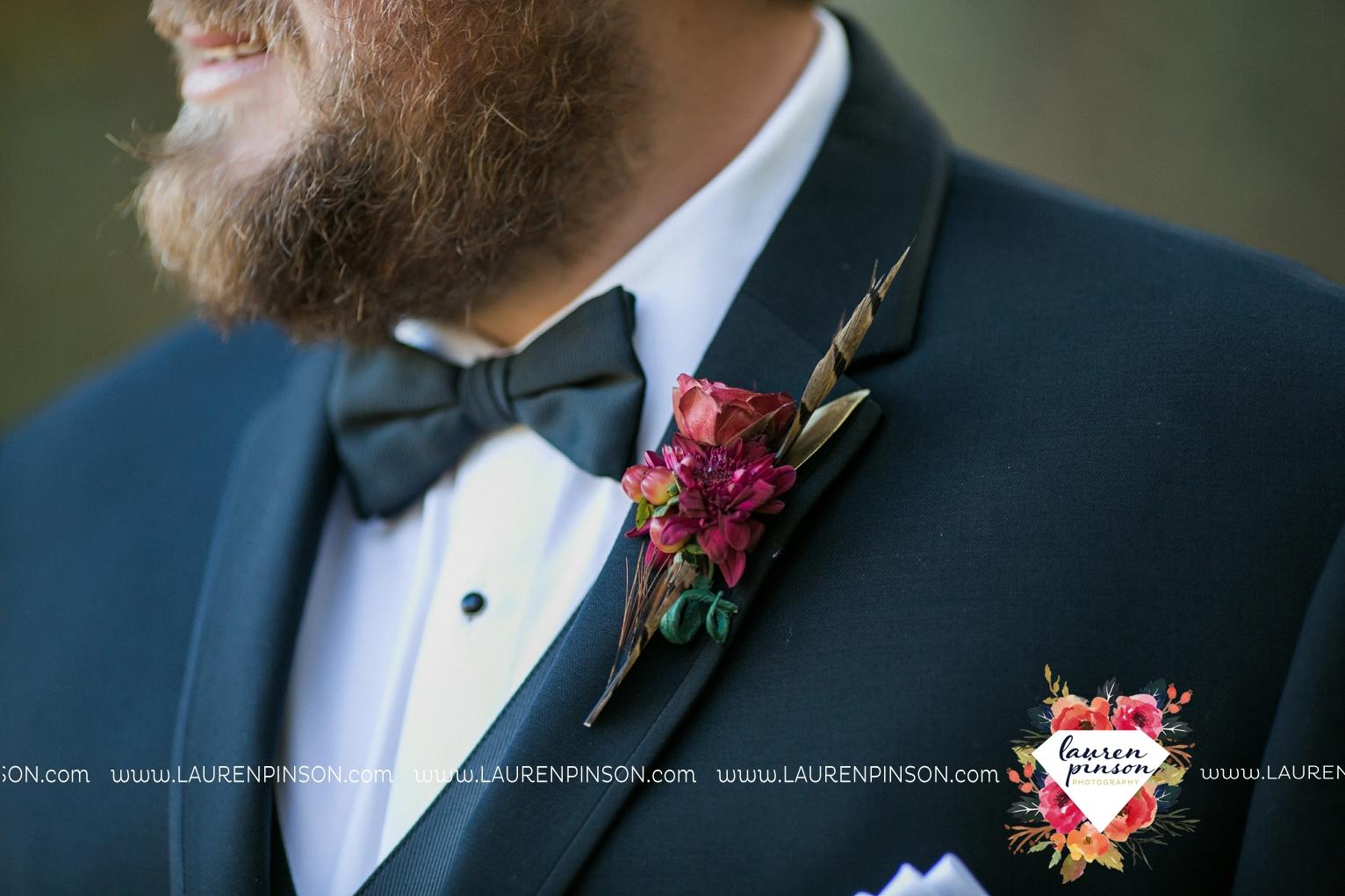 rustic-wichita-falls-texas-wedding-photographer-gold-glam-mayfield-events-market-street-united-allue-bridals-fall_1727.jpg