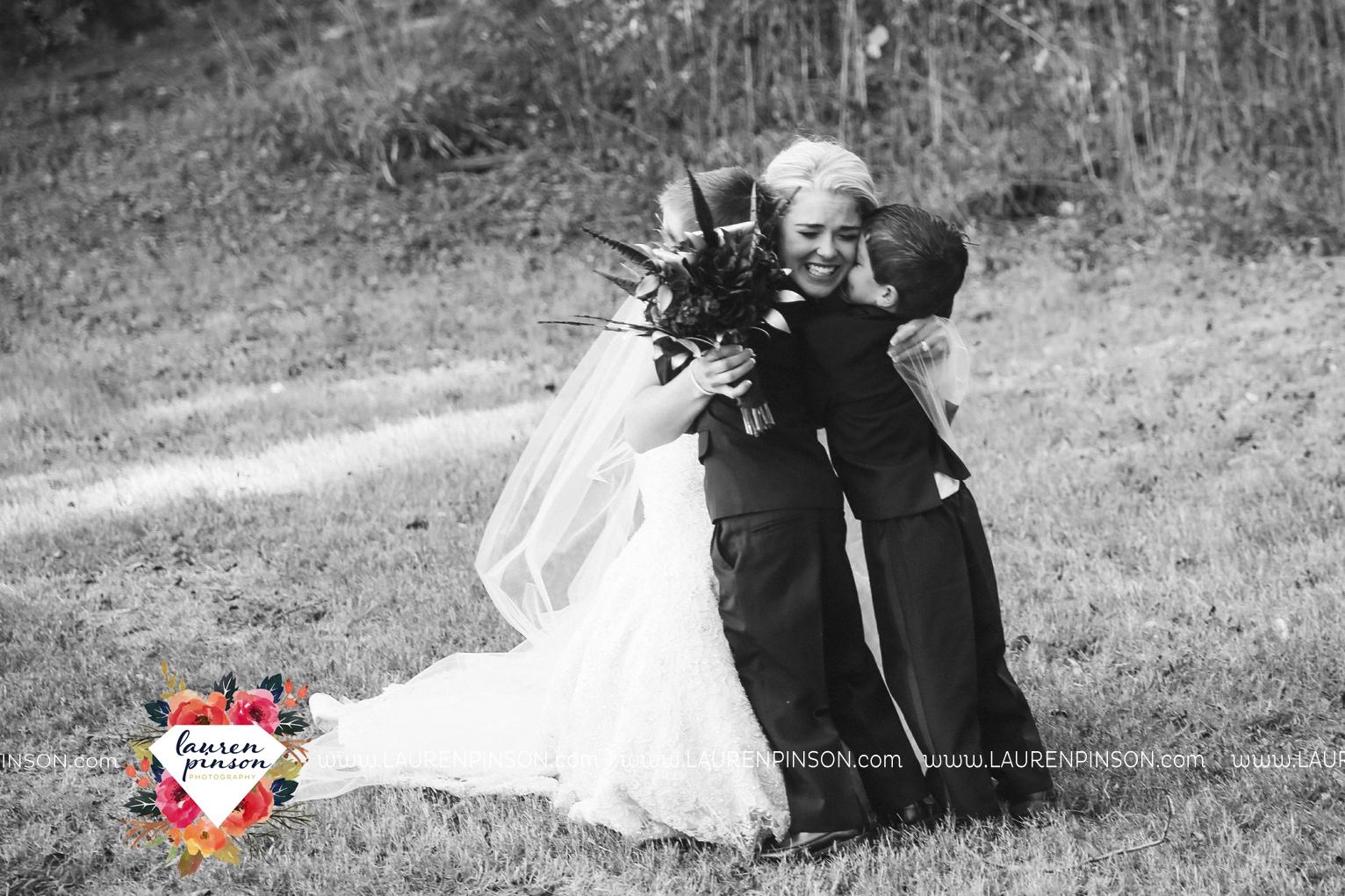 rustic-wichita-falls-texas-wedding-photographer-gold-glam-mayfield-events-market-street-united-allue-bridals-fall_1729.jpg