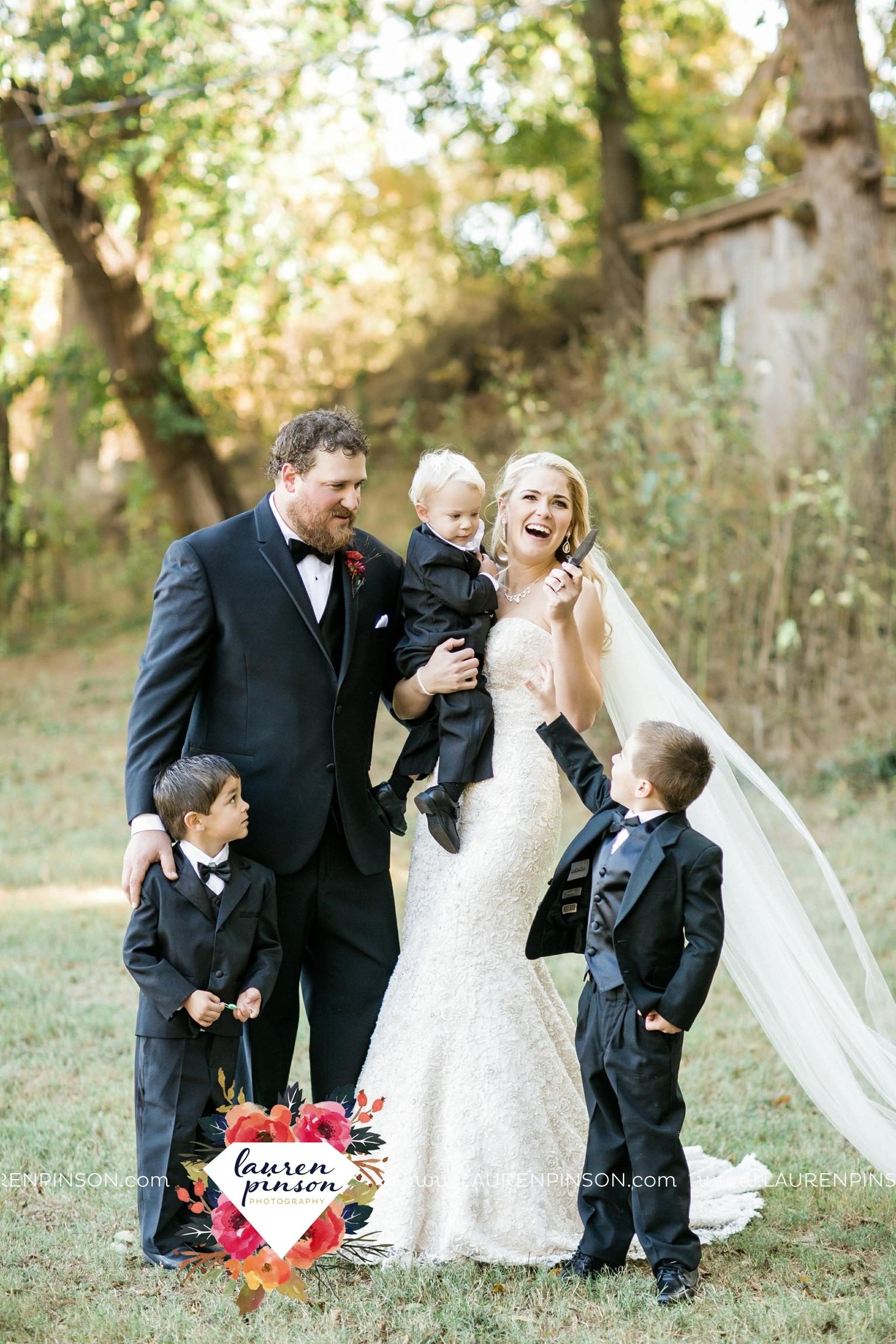 rustic-wichita-falls-texas-wedding-photographer-gold-glam-mayfield-events-market-street-united-allue-bridals-fall_1735.jpg