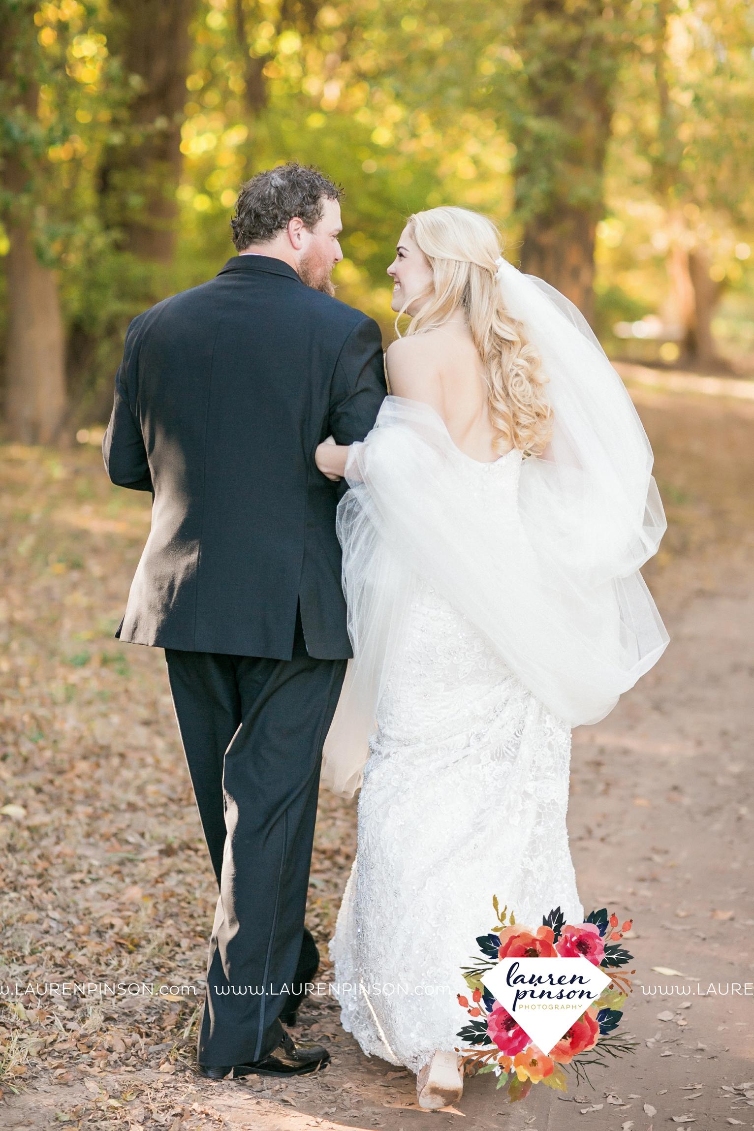 rustic-wichita-falls-texas-wedding-photographer-gold-glam-mayfield-events-market-street-united-allue-bridals-fall_1736.jpg