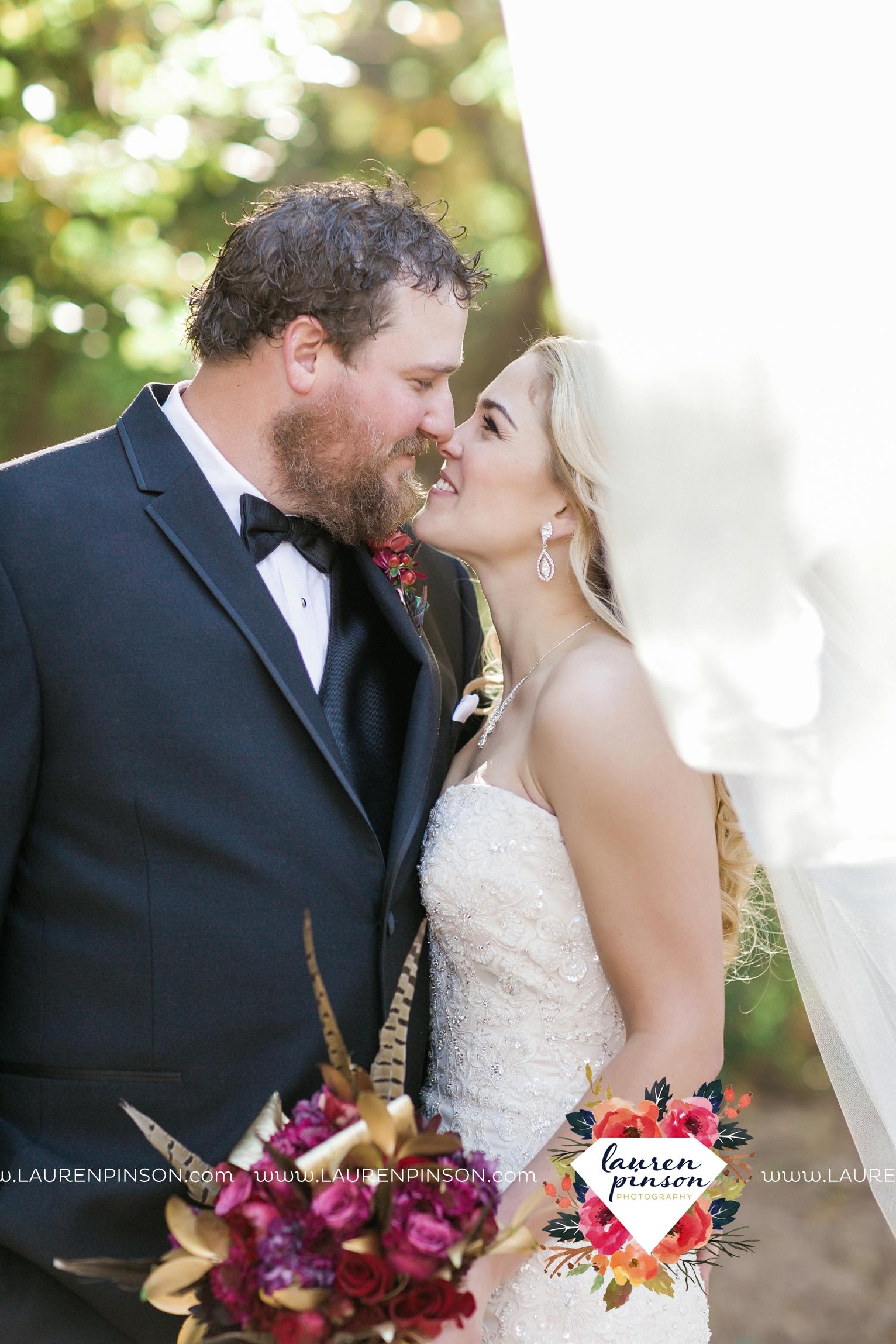 rustic-wichita-falls-texas-wedding-photographer-gold-glam-mayfield-events-market-street-united-allue-bridals-fall_1737.jpg