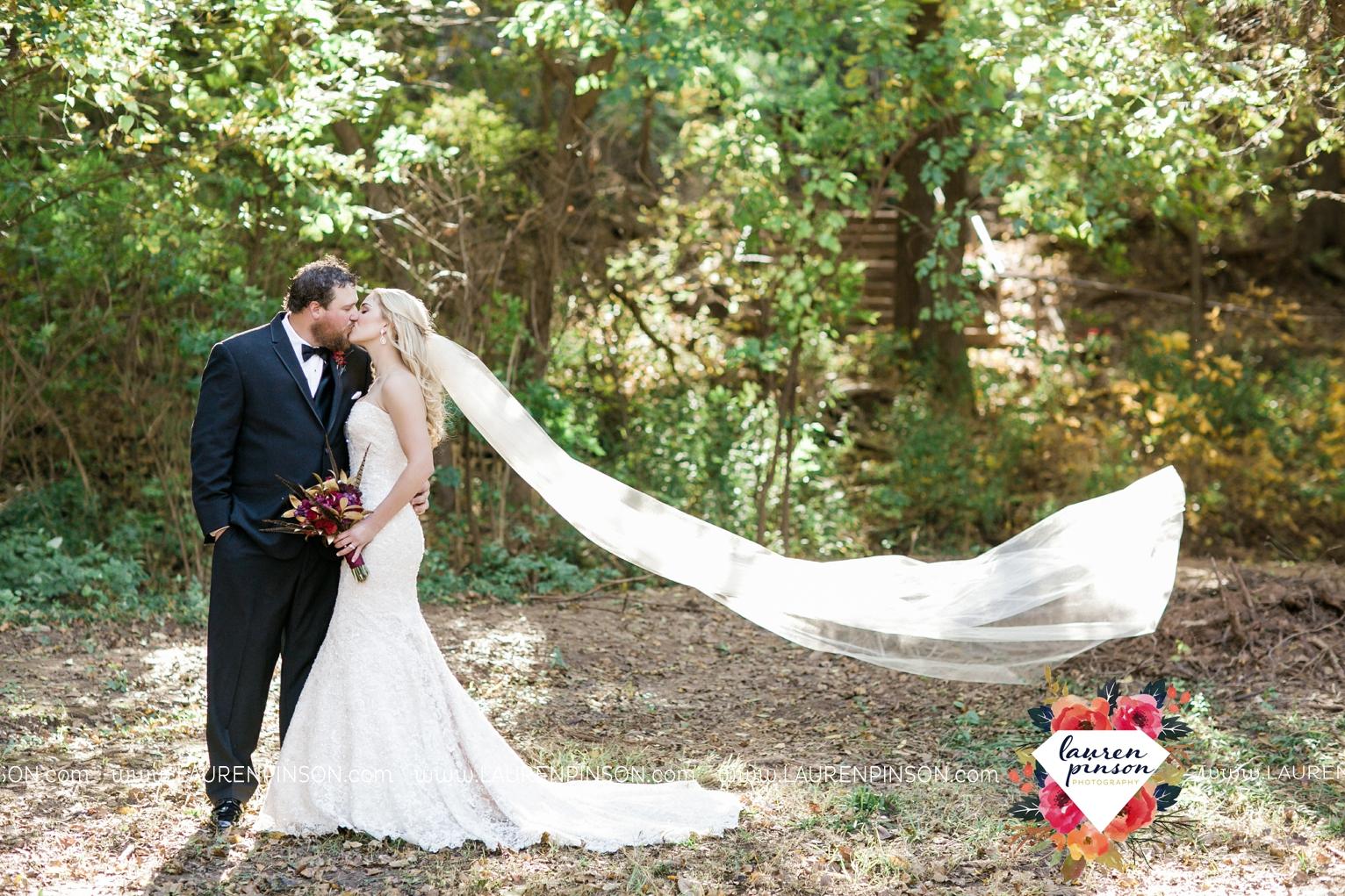 rustic-wichita-falls-texas-wedding-photographer-gold-glam-mayfield-events-market-street-united-allue-bridals-fall_1738.jpg