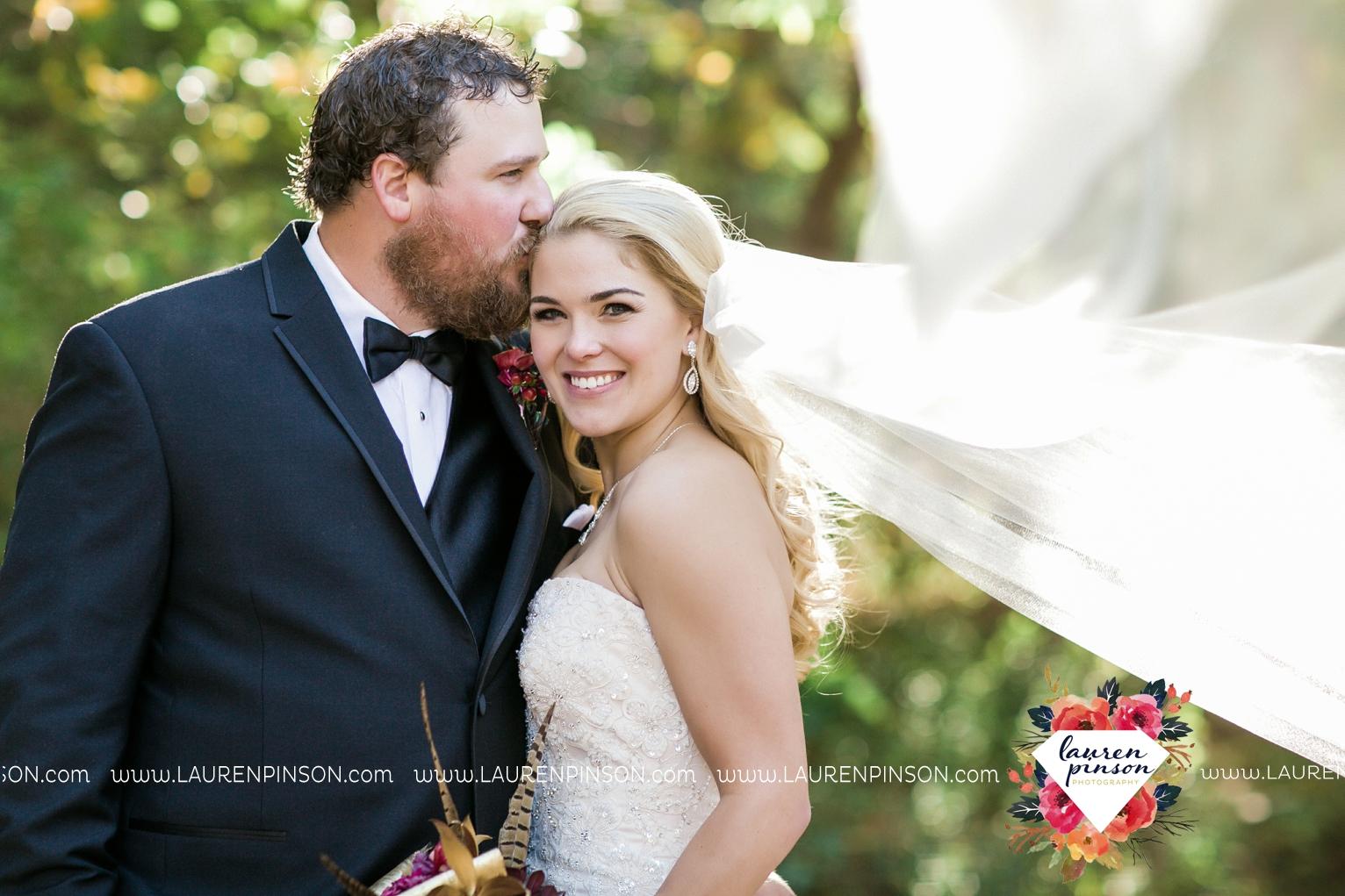 rustic-wichita-falls-texas-wedding-photographer-gold-glam-mayfield-events-market-street-united-allue-bridals-fall_1741.jpg