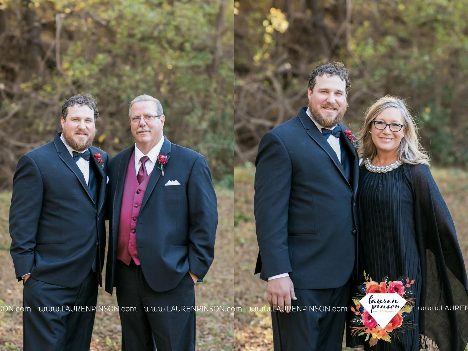 rustic-wichita-falls-texas-wedding-photographer-gold-glam-mayfield-events-market-street-united-allue-bridals-fall_1742.jpg