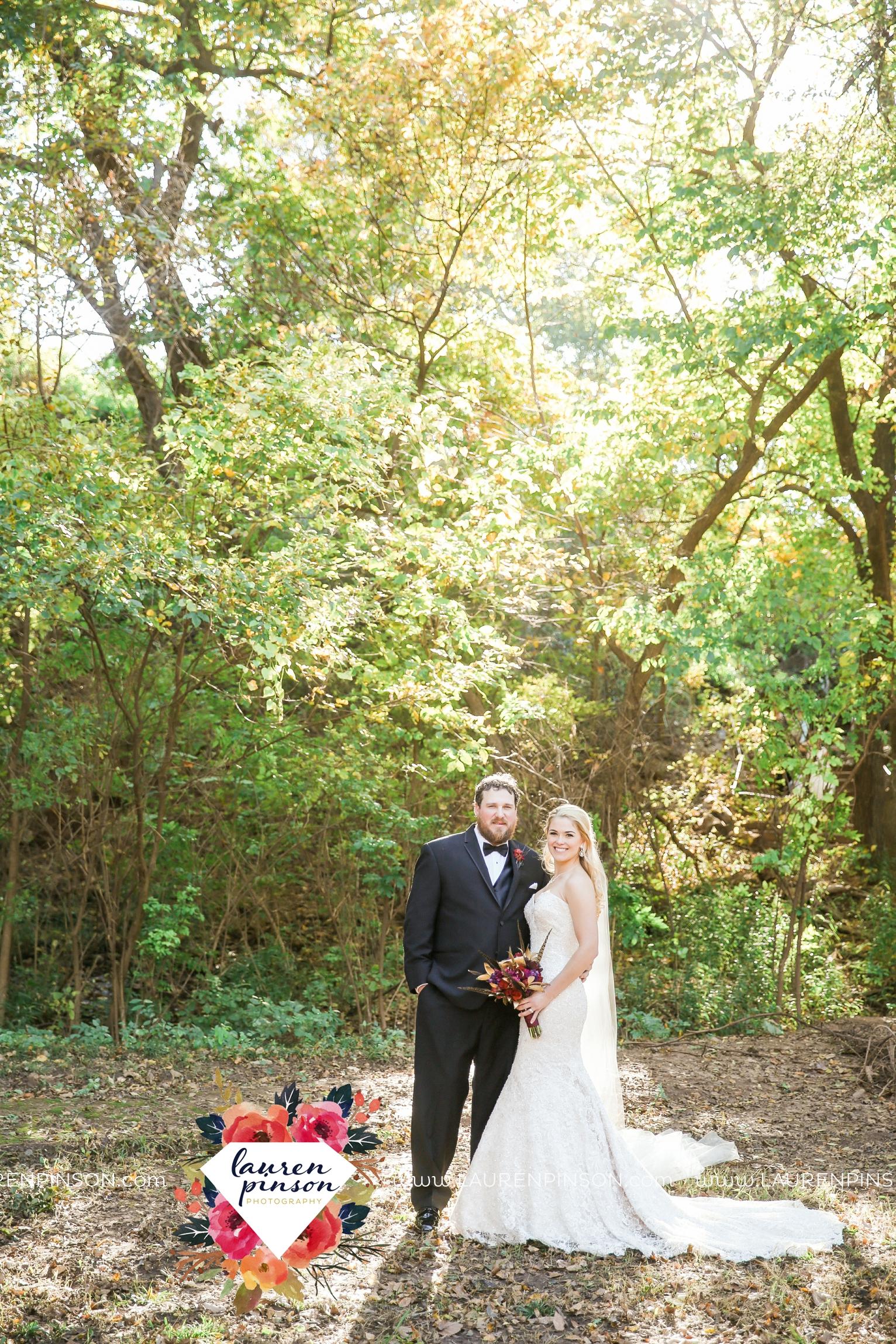 rustic-wichita-falls-texas-wedding-photographer-gold-glam-mayfield-events-market-street-united-allue-bridals-fall_1740.jpg