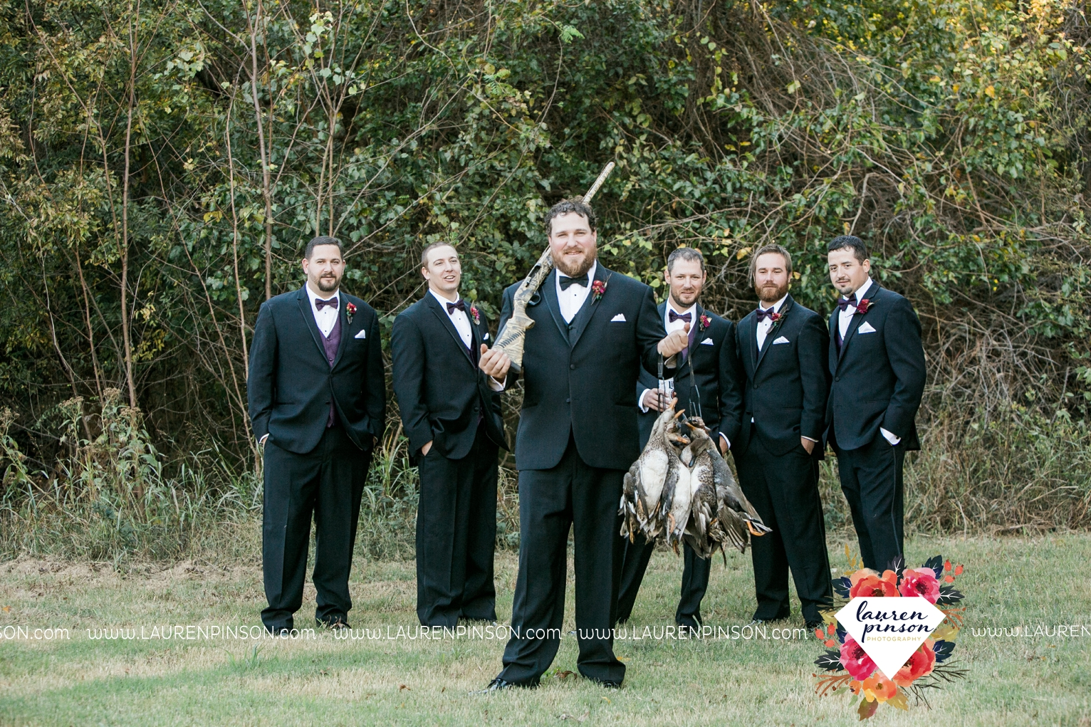 rustic-wichita-falls-texas-wedding-photographer-gold-glam-mayfield-events-market-street-united-allue-bridals-fall_1760.jpg