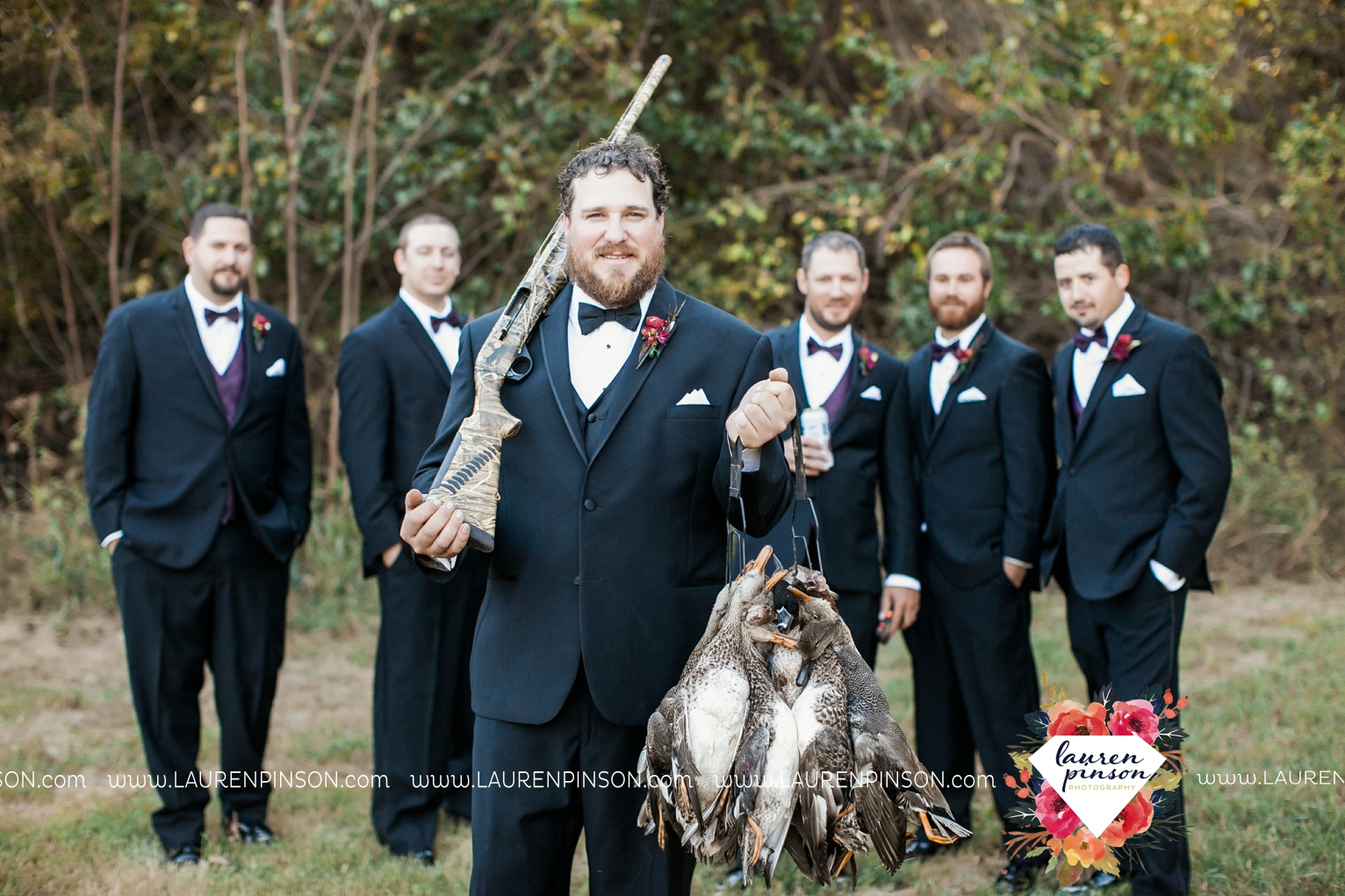 rustic-wichita-falls-texas-wedding-photographer-gold-glam-mayfield-events-market-street-united-allue-bridals-fall_1761.jpg