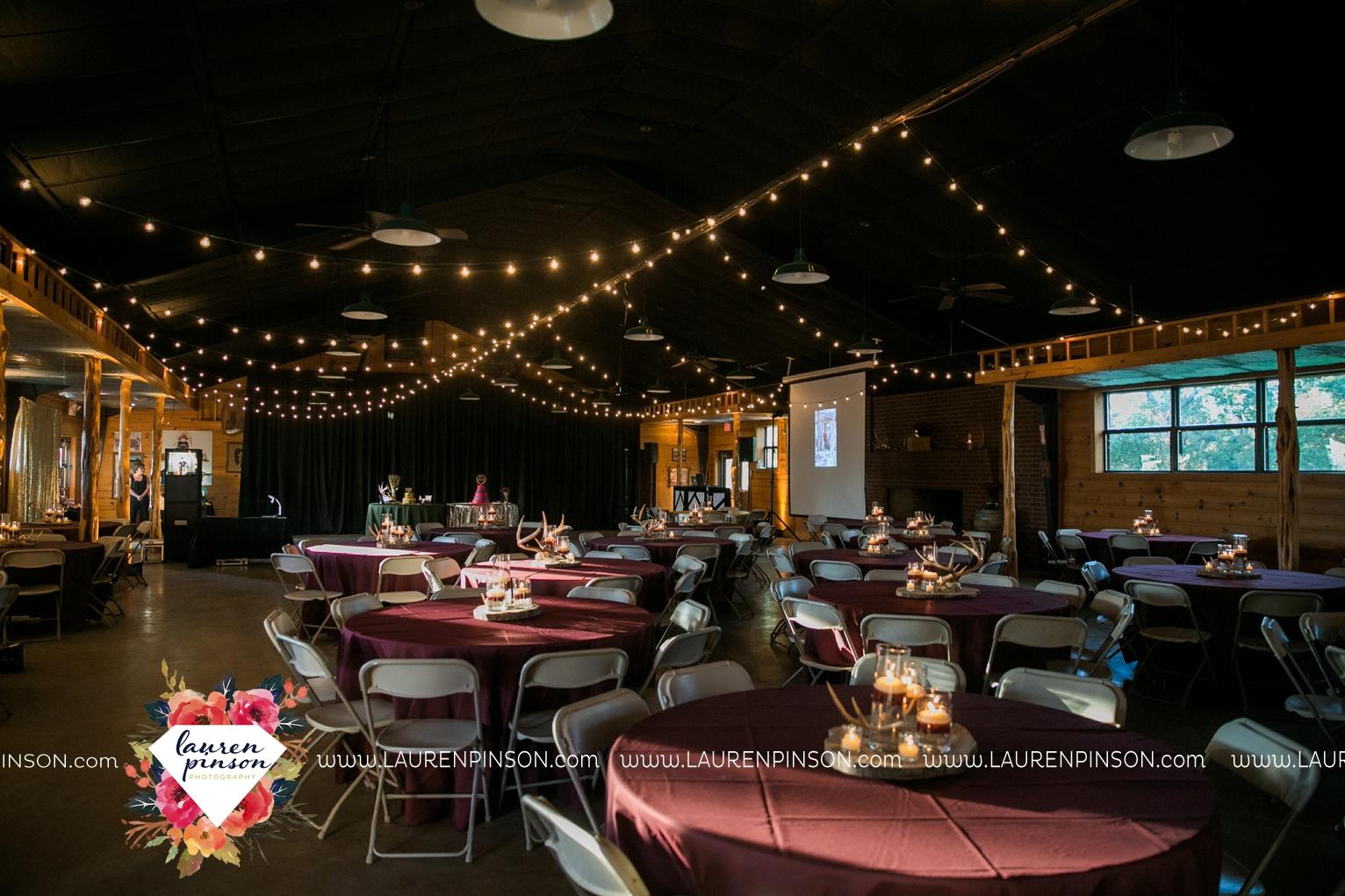 rustic-wichita-falls-texas-wedding-photographer-gold-glam-mayfield-events-market-street-united-allue-bridals-fall_1775.jpg