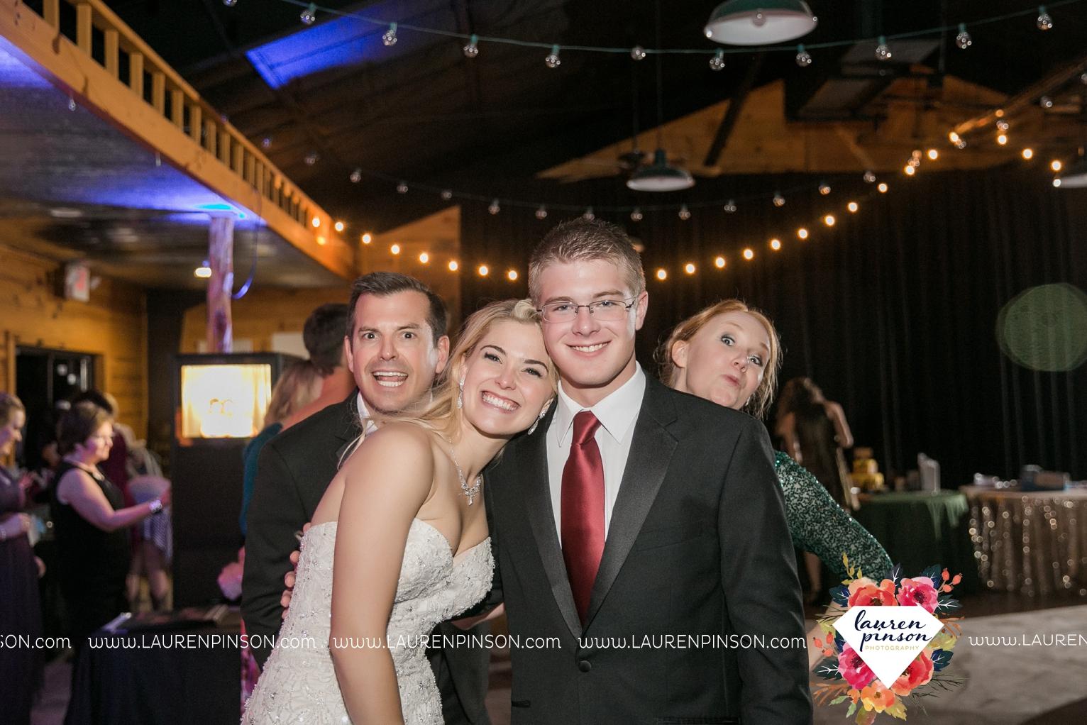 rustic-wichita-falls-texas-wedding-photographer-gold-glam-mayfield-events-market-street-united-allue-bridals-fall_1789.jpg