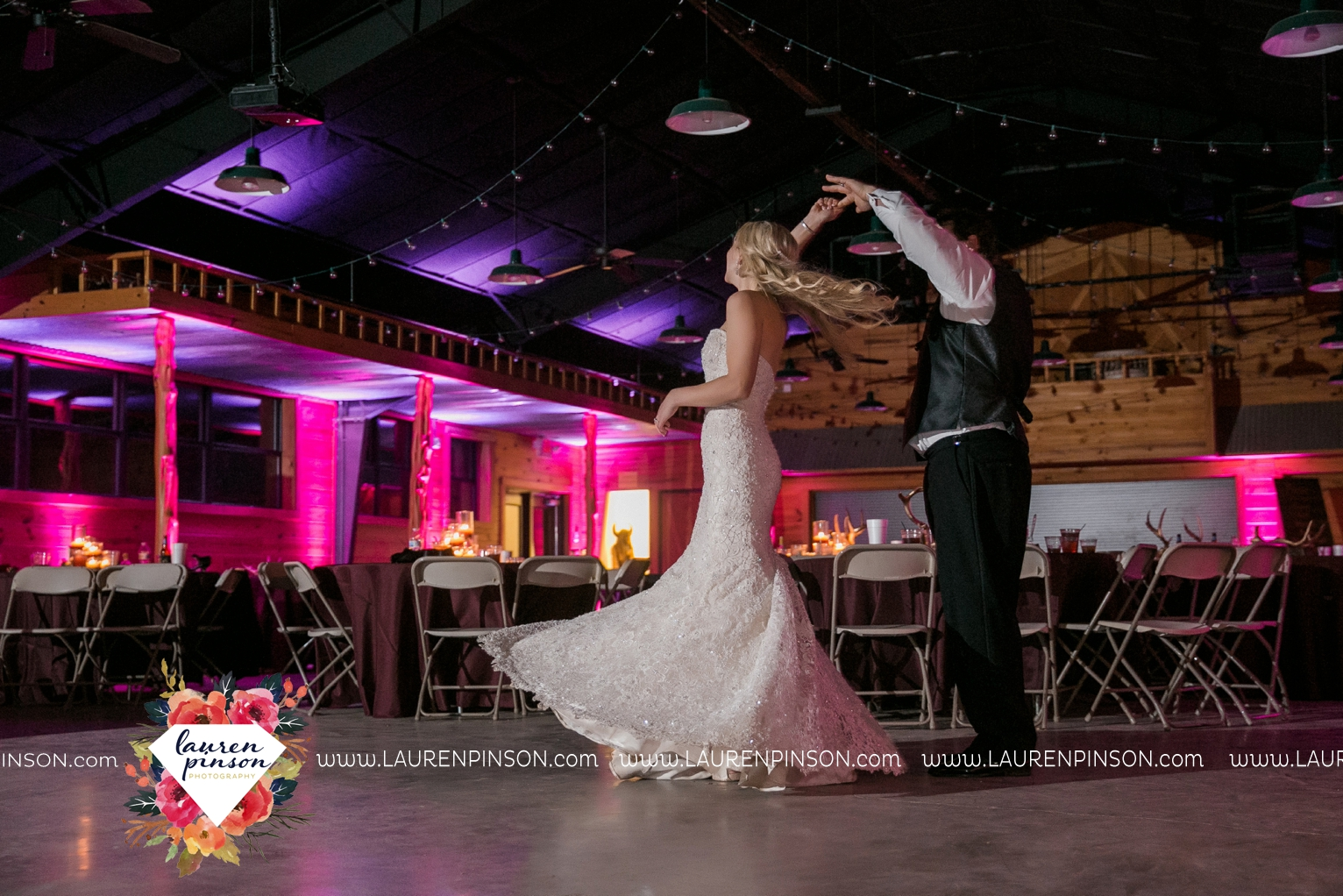 rustic-wichita-falls-texas-wedding-photographer-gold-glam-mayfield-events-market-street-united-allue-bridals-fall_1791.jpg