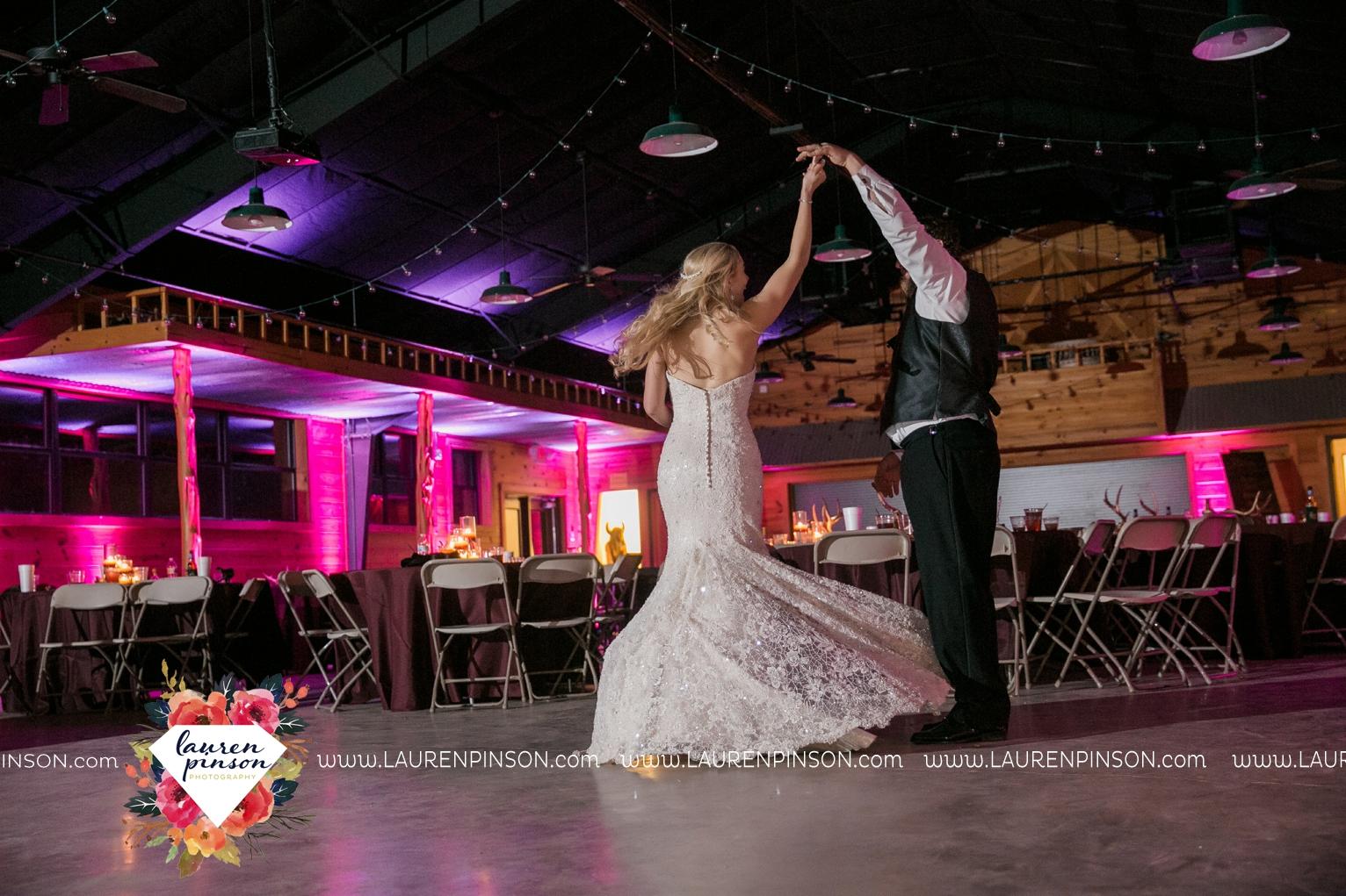 rustic-wichita-falls-texas-wedding-photographer-gold-glam-mayfield-events-market-street-united-allue-bridals-fall_1792.jpg
