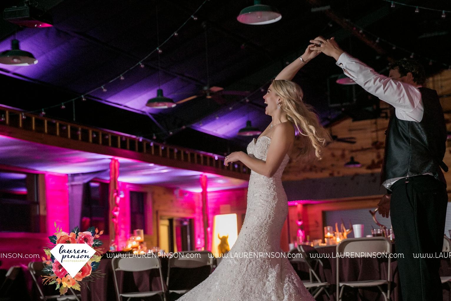 rustic-wichita-falls-texas-wedding-photographer-gold-glam-mayfield-events-market-street-united-allue-bridals-fall_1793.jpg