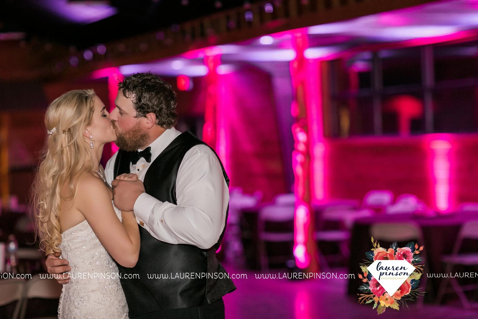 rustic-wichita-falls-texas-wedding-photographer-gold-glam-mayfield-events-market-street-united-allue-bridals-fall_1794.jpg