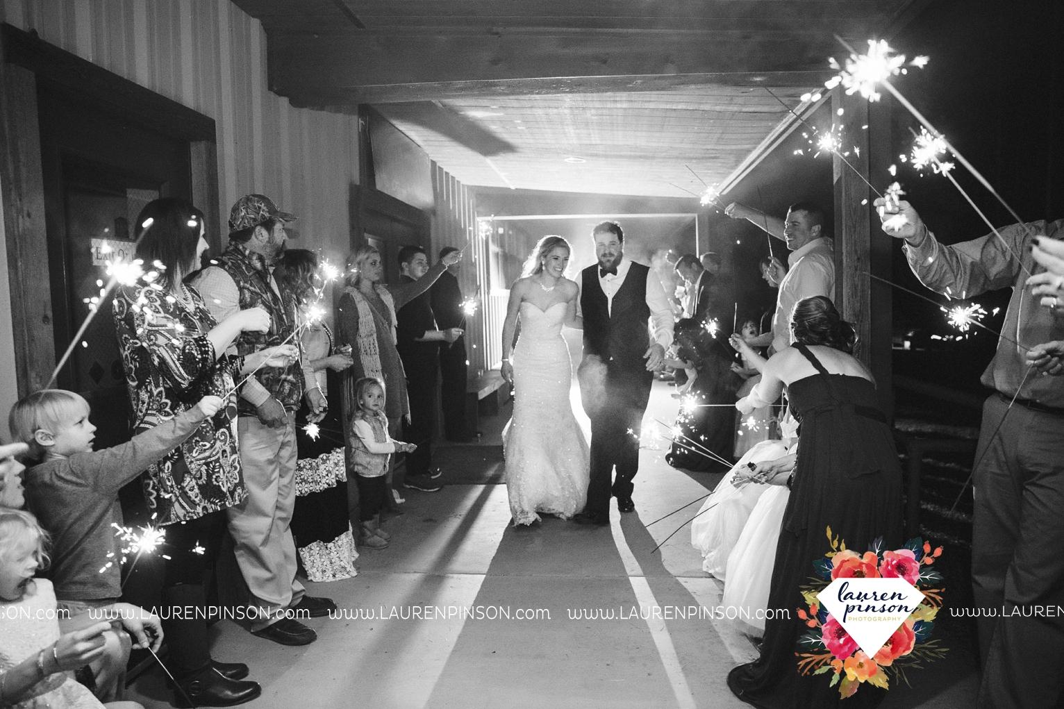 rustic-wichita-falls-texas-wedding-photographer-gold-glam-mayfield-events-market-street-united-allue-bridals-fall_1795.jpg