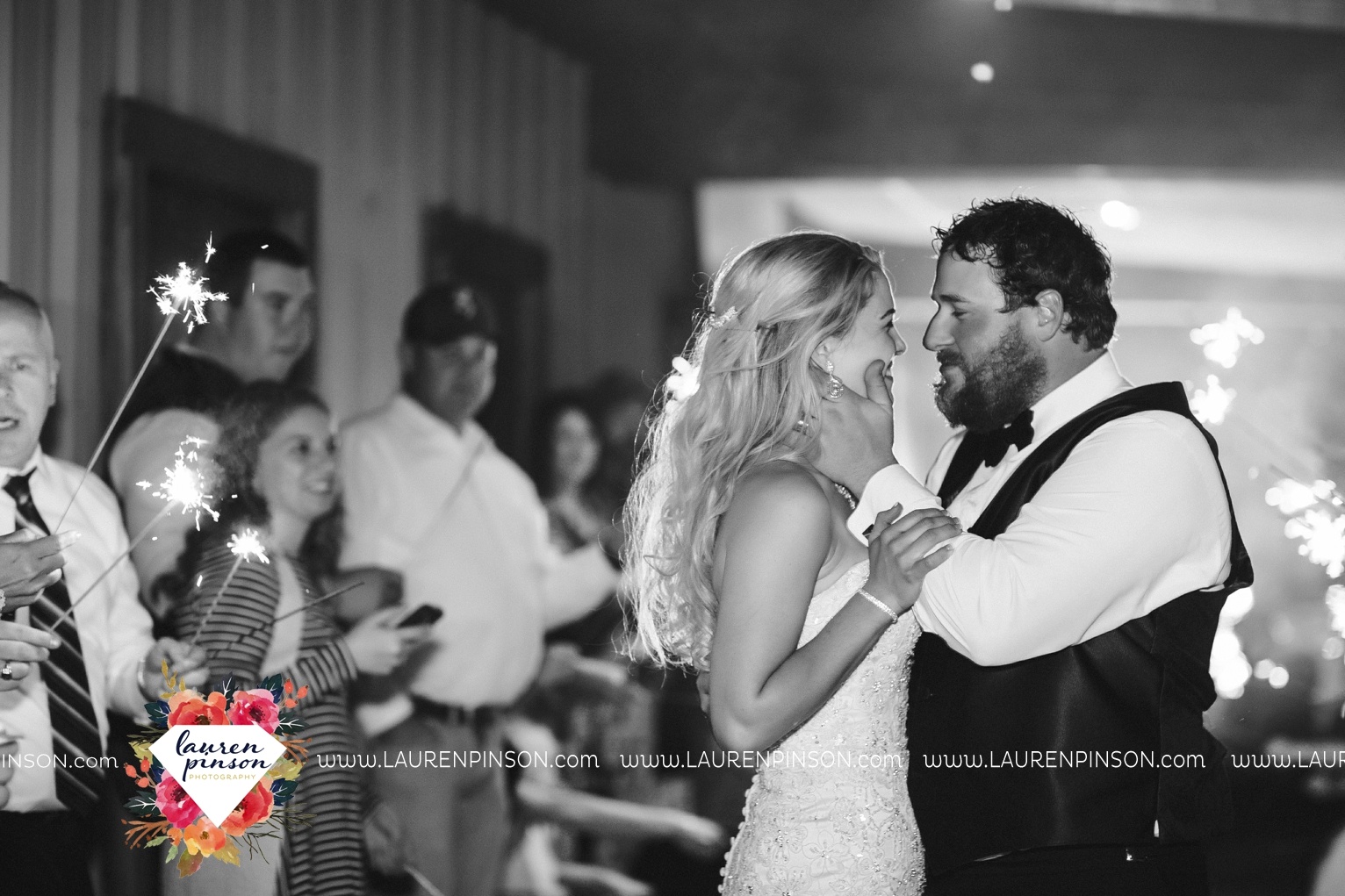 rustic-wichita-falls-texas-wedding-photographer-gold-glam-mayfield-events-market-street-united-allue-bridals-fall_1796.jpg