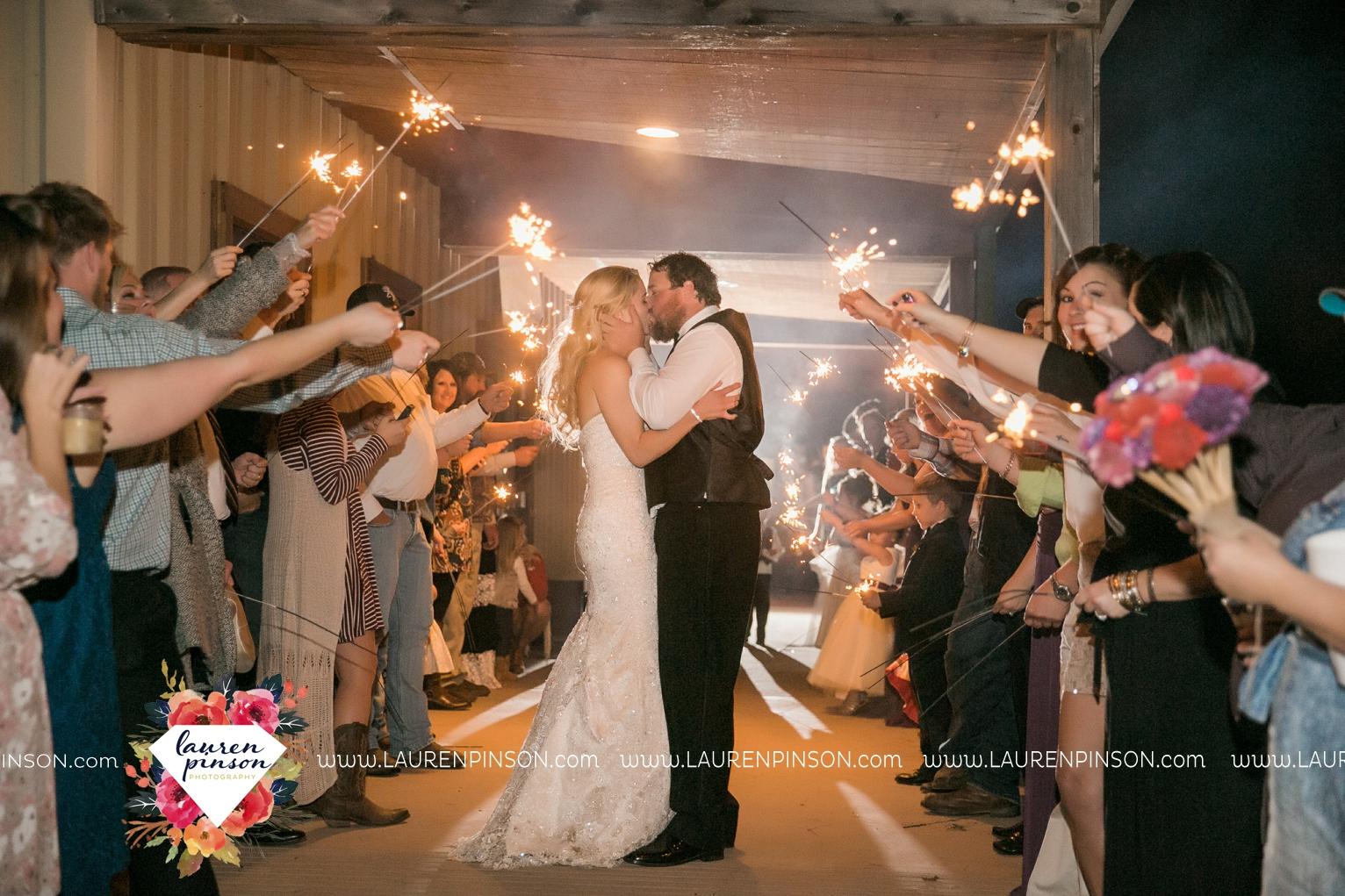 rustic-wichita-falls-texas-wedding-photographer-gold-glam-mayfield-events-market-street-united-allue-bridals-fall_1797.jpg