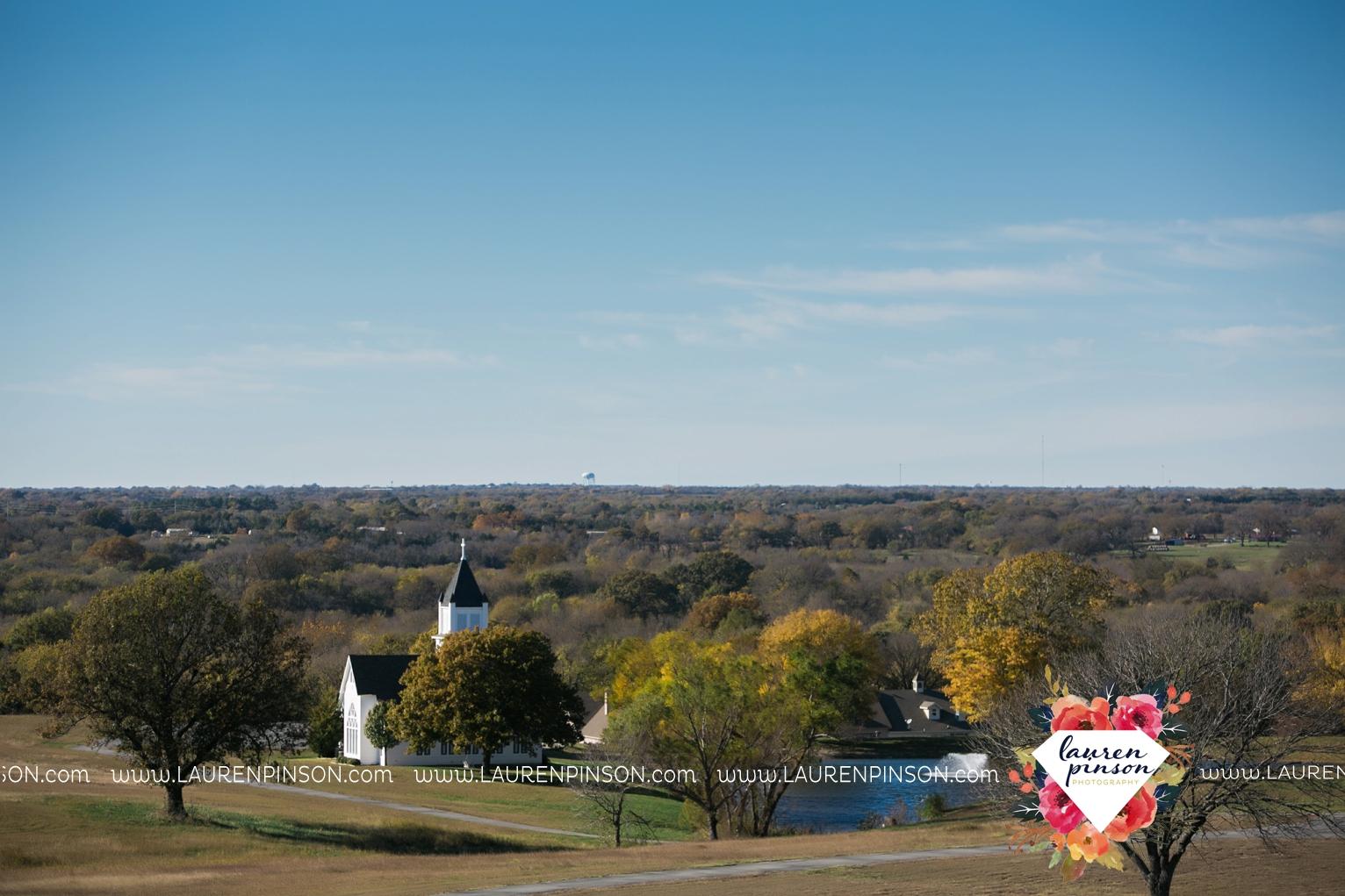 bells-texas-wedding-photography-at-willowood-ranch-chapel-north-texas-wichita-falls-wedding-photographer_1809.jpg