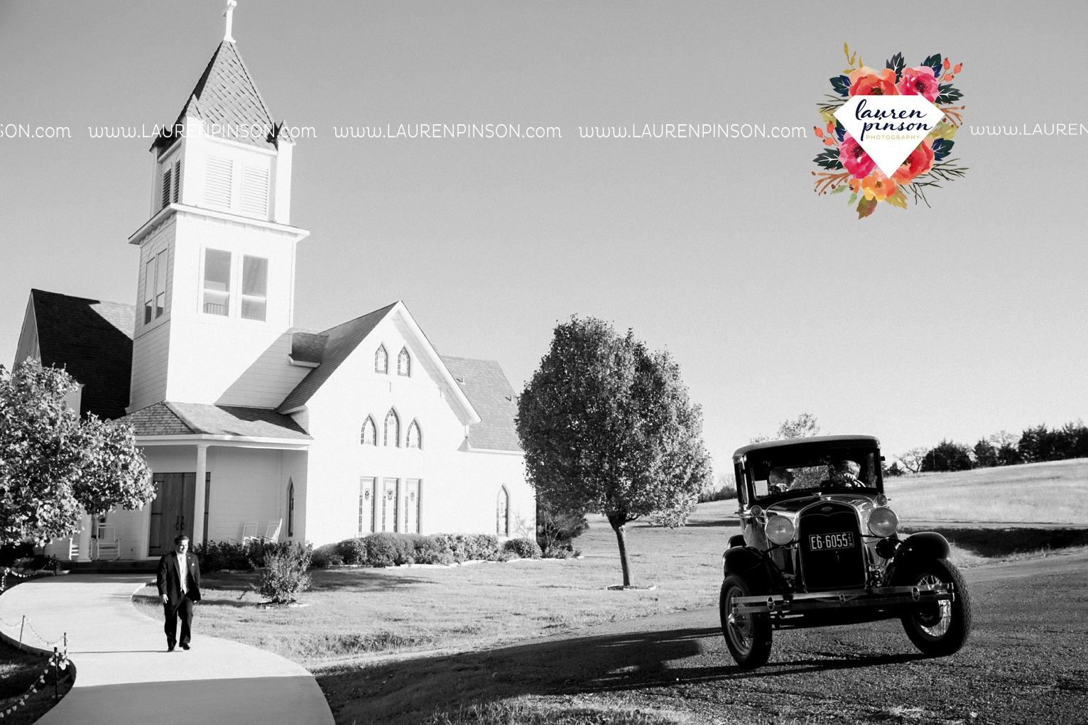 bells-texas-wedding-photography-at-willowood-ranch-chapel-north-texas-wichita-falls-wedding-photographer_1823.jpg