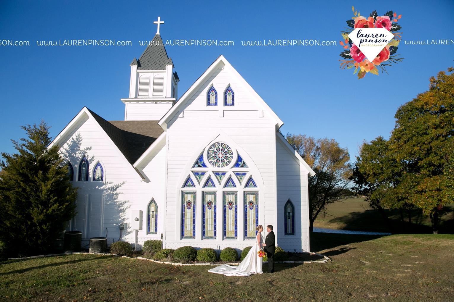 bells-texas-wedding-photography-at-willowood-ranch-chapel-north-texas-wichita-falls-wedding-photographer_1831.jpg