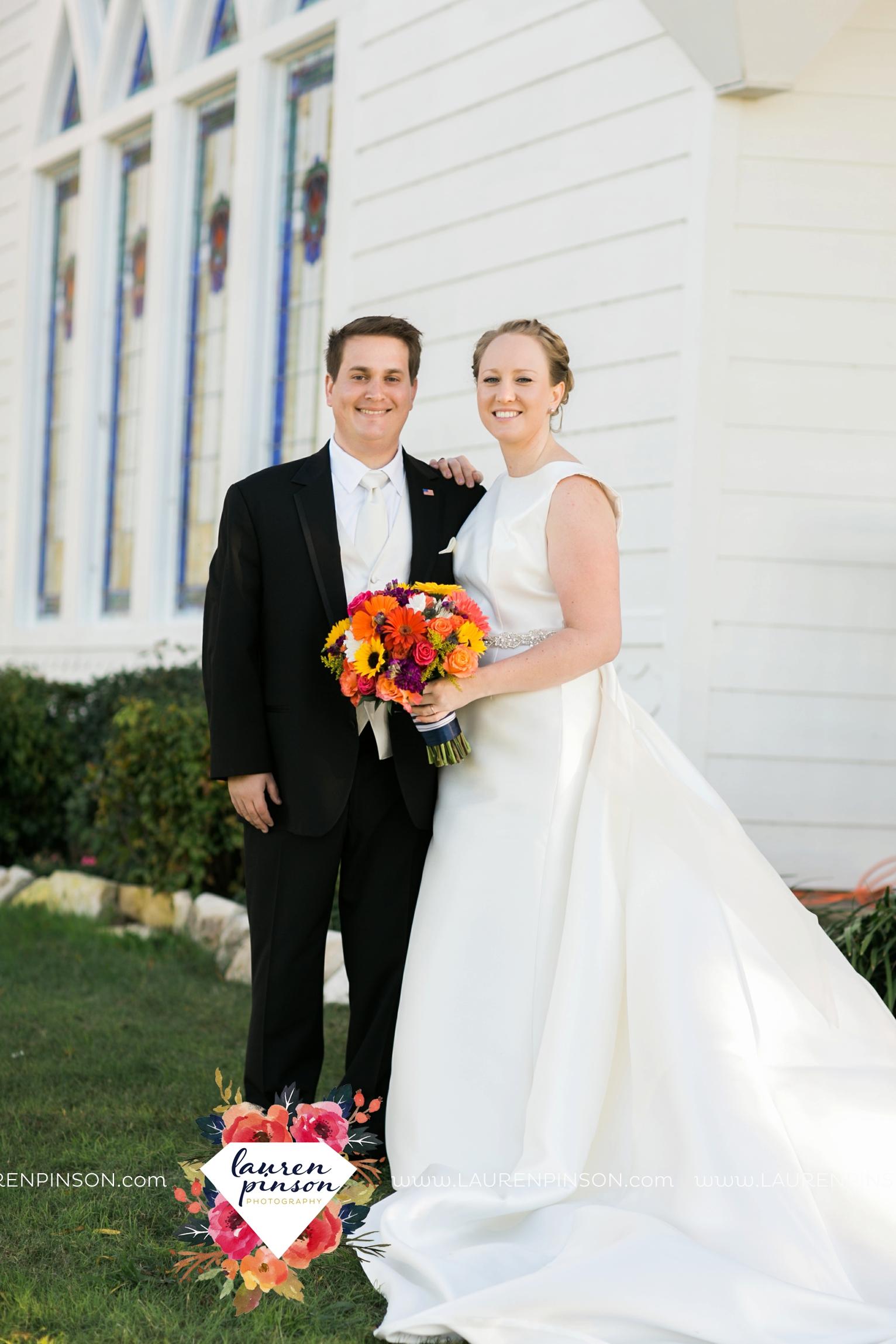 bells-texas-wedding-photography-at-willowood-ranch-chapel-north-texas-wichita-falls-wedding-photographer_1842.jpg