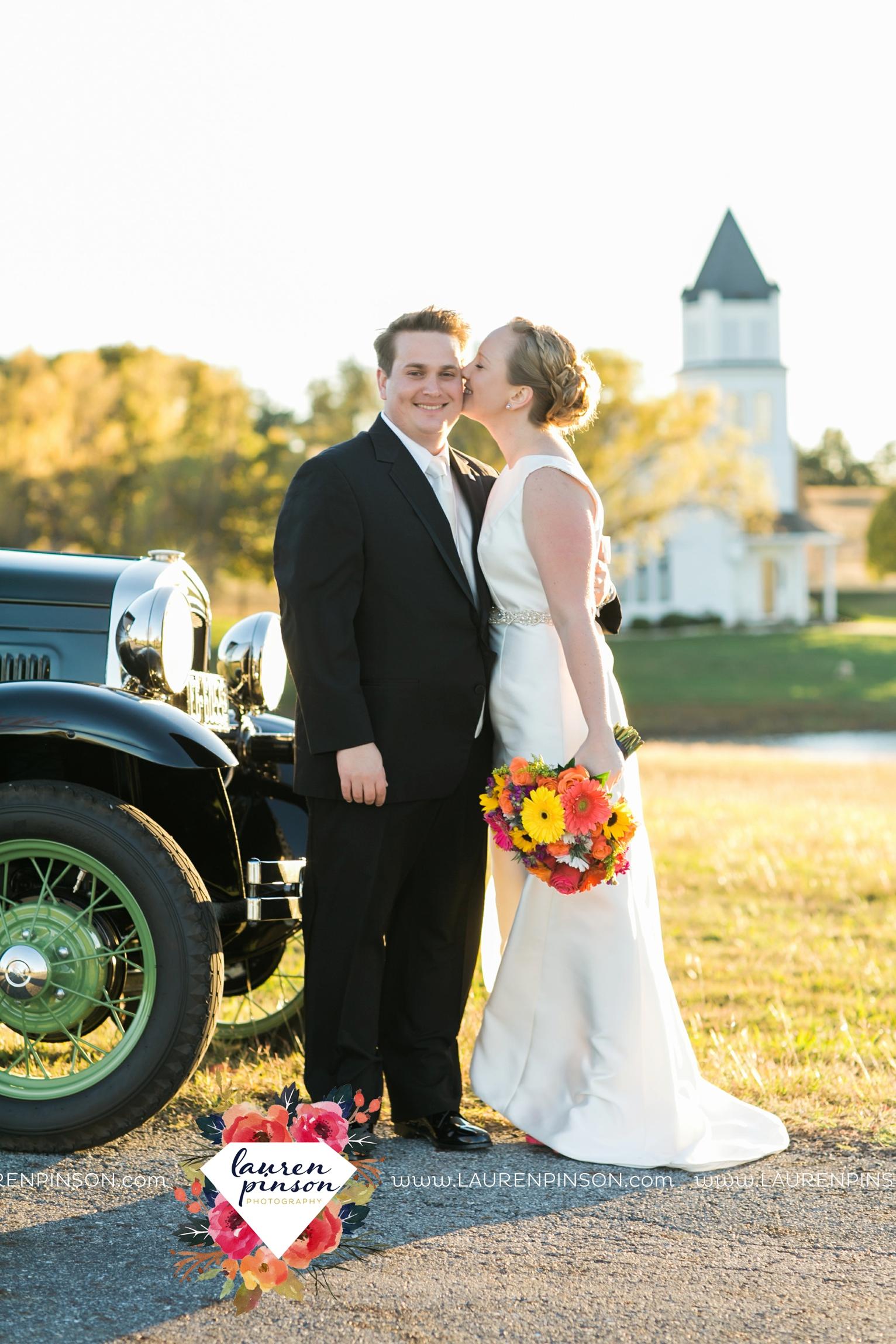 bells-texas-wedding-photography-at-willowood-ranch-chapel-north-texas-wichita-falls-wedding-photographer_1849.jpg