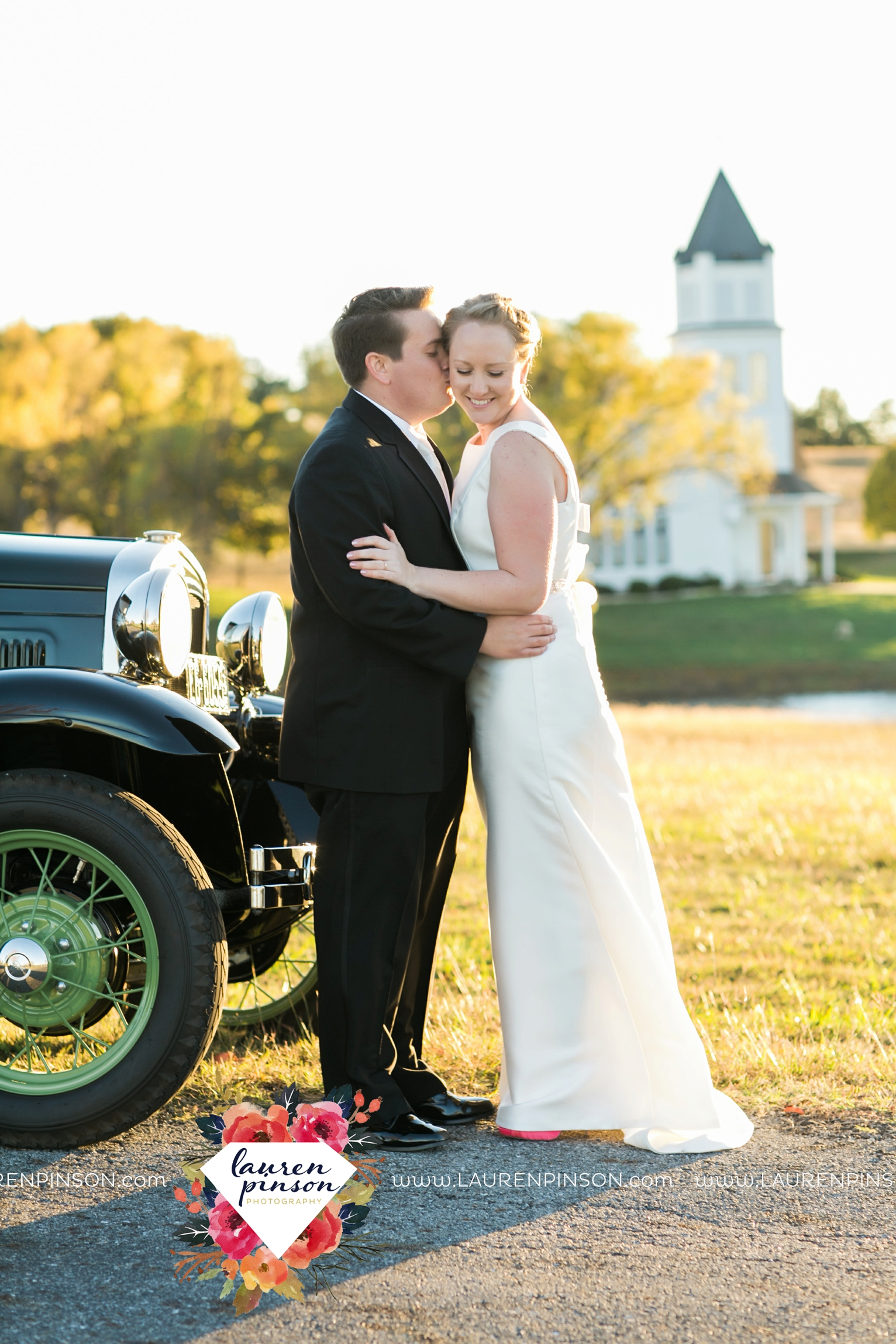 bells-texas-wedding-photography-at-willowood-ranch-chapel-north-texas-wichita-falls-wedding-photographer_1851.jpg