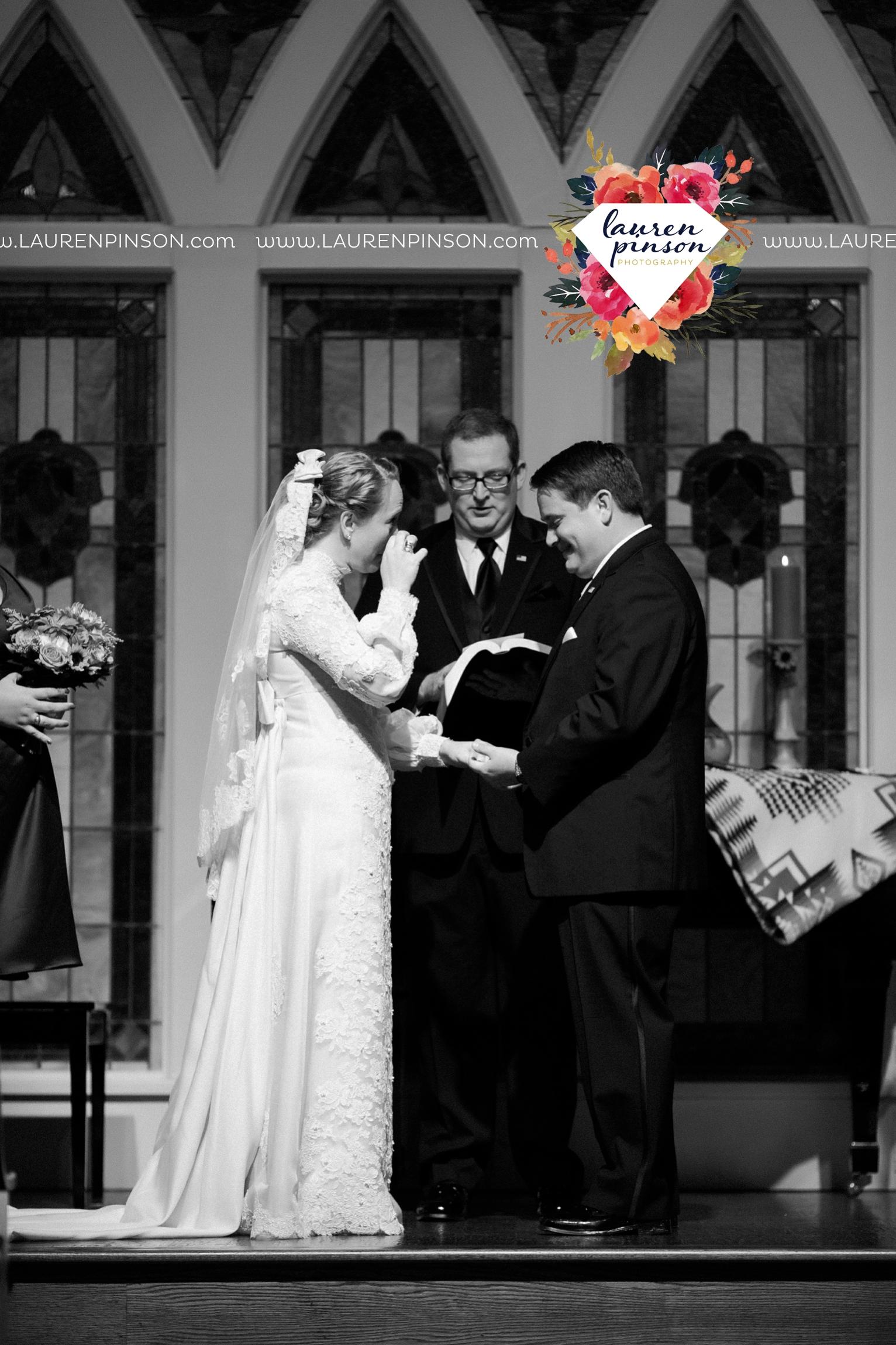bells-texas-wedding-photography-at-willowood-ranch-chapel-north-texas-wichita-falls-wedding-photographer_1868.jpg